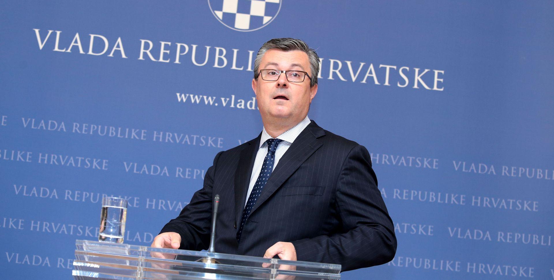 Orešković: Vlada razmatra mogućnost pomoći Petrokemiji s 200 milijuna kuna
