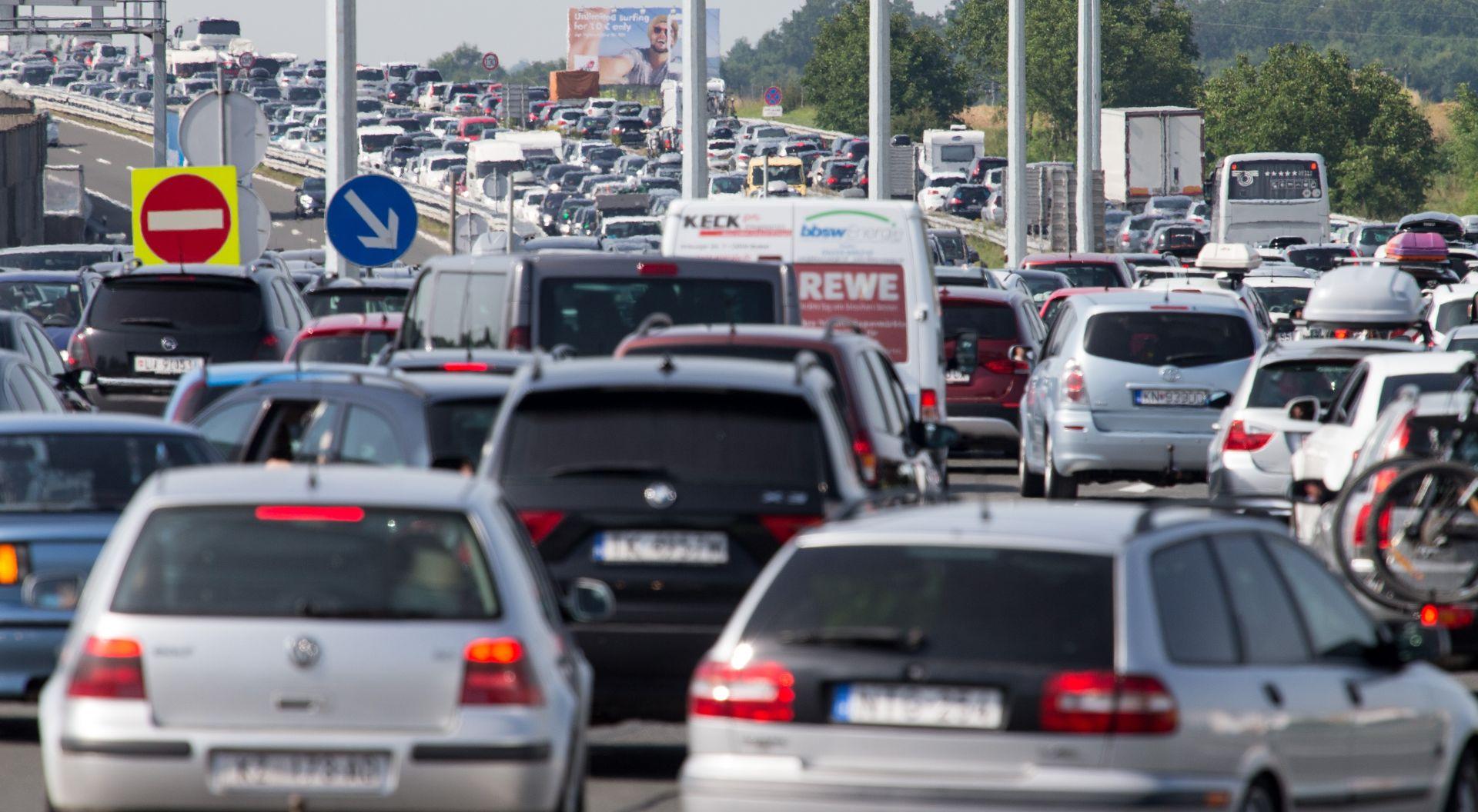HAK Pojačan promet na hrvatskim cestama, nekoliko prometnih nesreća