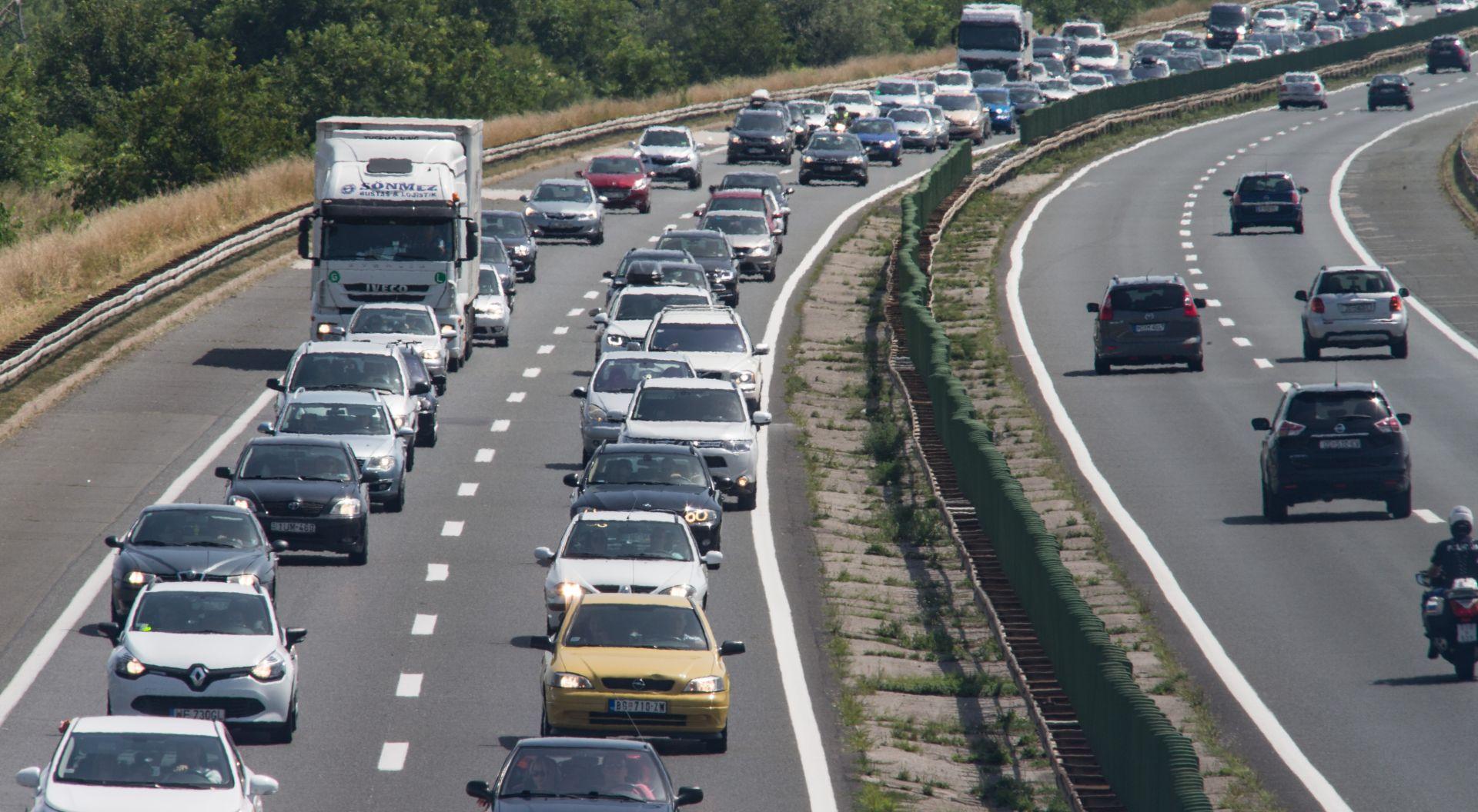 HAK Promet srednje gust do pojačan, oprez zbog mokrih kolnika