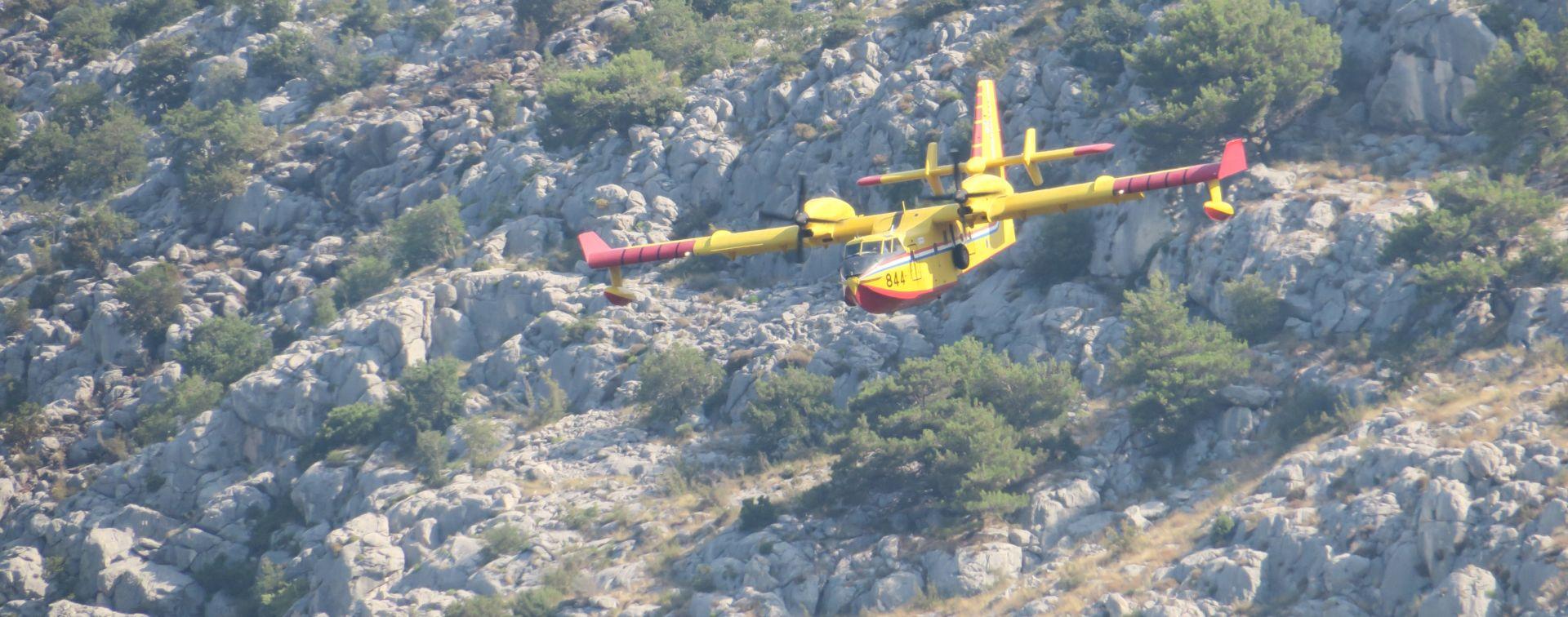 MORH: Zračne snage sudjelovale u gašenju dva požara