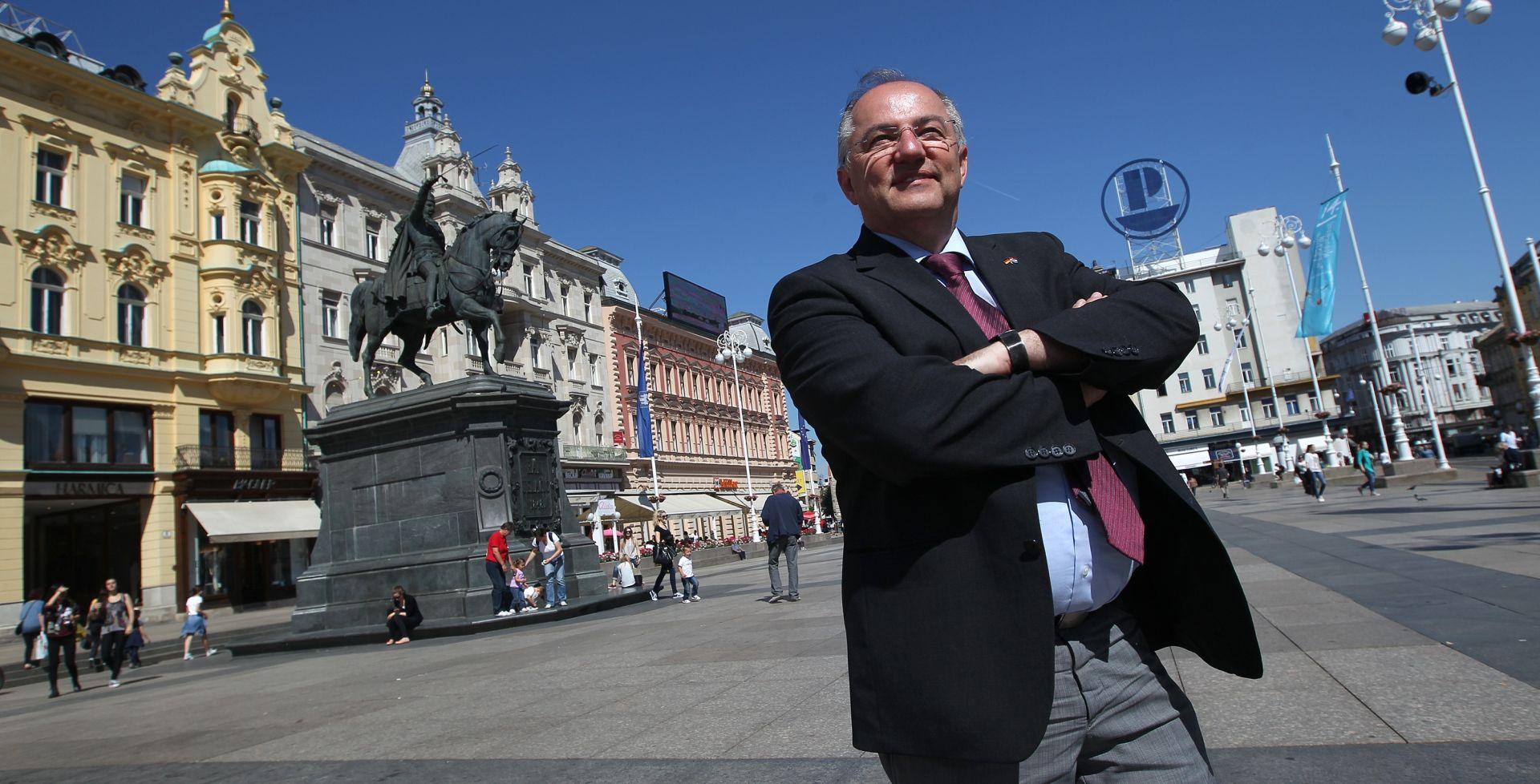JOSIP JURATOVIĆ Pružanje ruke pridonosi miru više od politike