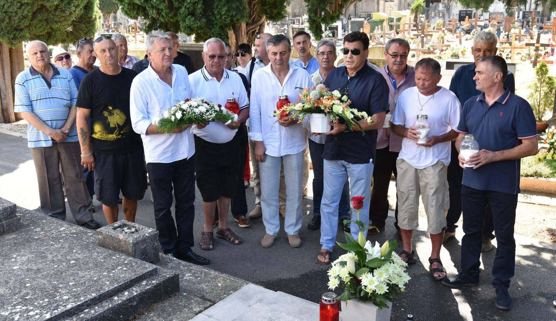 Boksačke legende odale počast Mate Parlovu u povodu osme obljetnice smrti