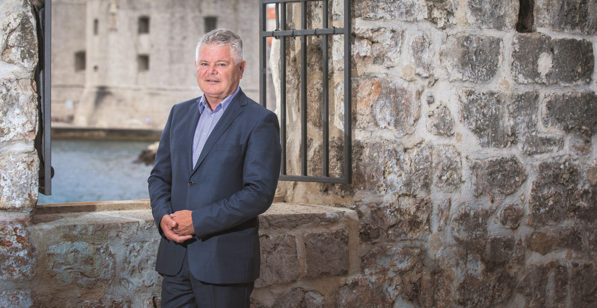 INTERVIEW: ANDRO VLAHUŠIĆ 'Hrvatska galija ne može naprijed bez velike koalicije'