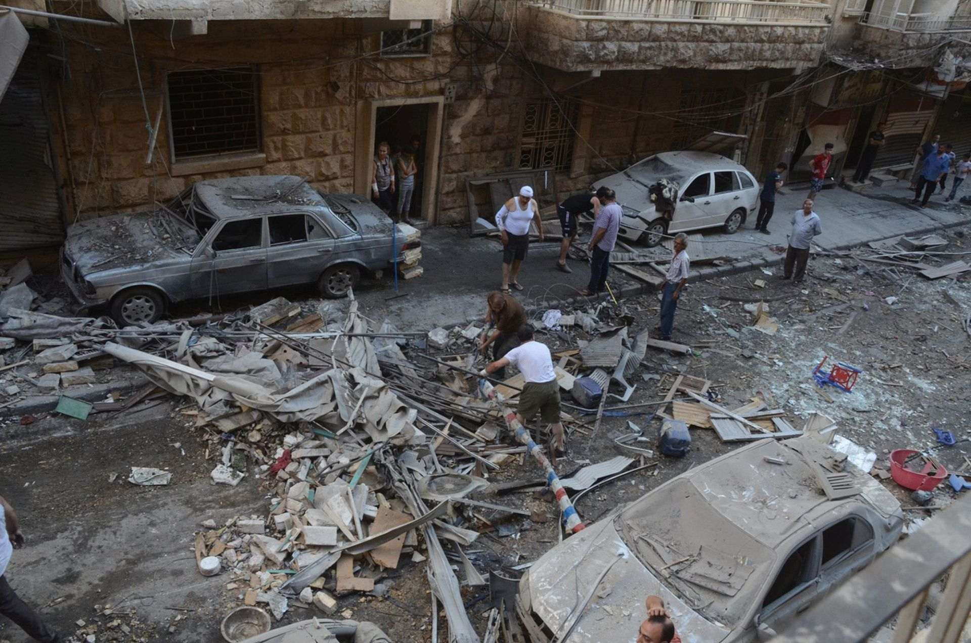 VLADINI ZRAČNI UDARI: Pogođene četiri bolnice u Alepu