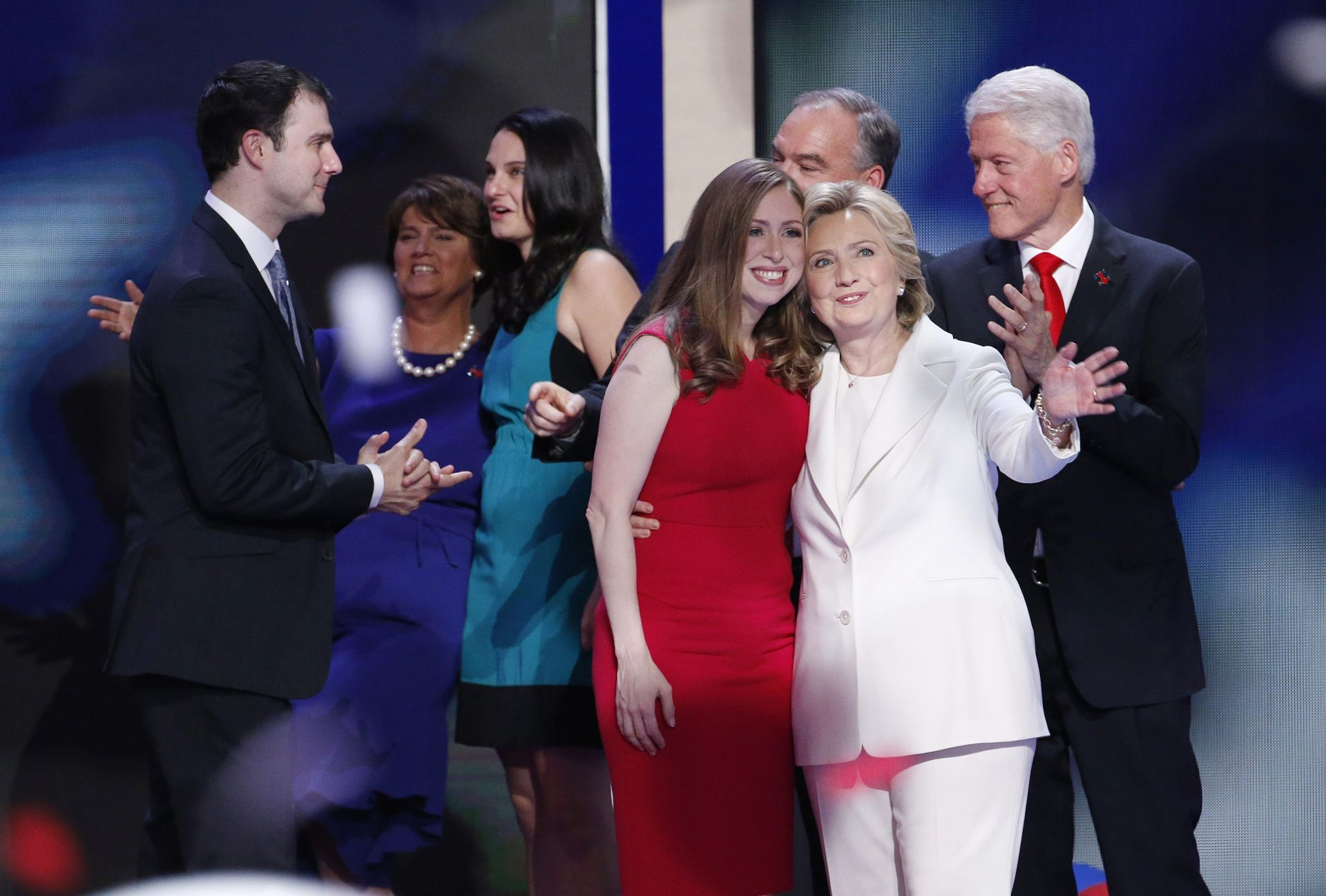 UNATOČ KRITIKAMA: Chelsea predstavila Clinton kao sjajnu majku i predanog profesionalca