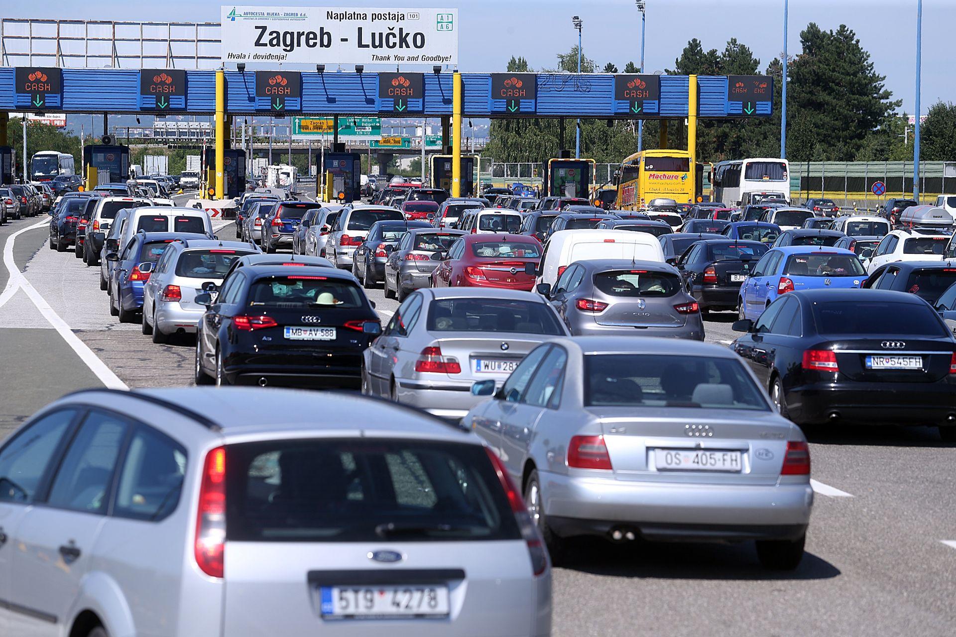 RASTU PROMETNE GUŽVE: HAK upozorava na gust promet i veća čekanja