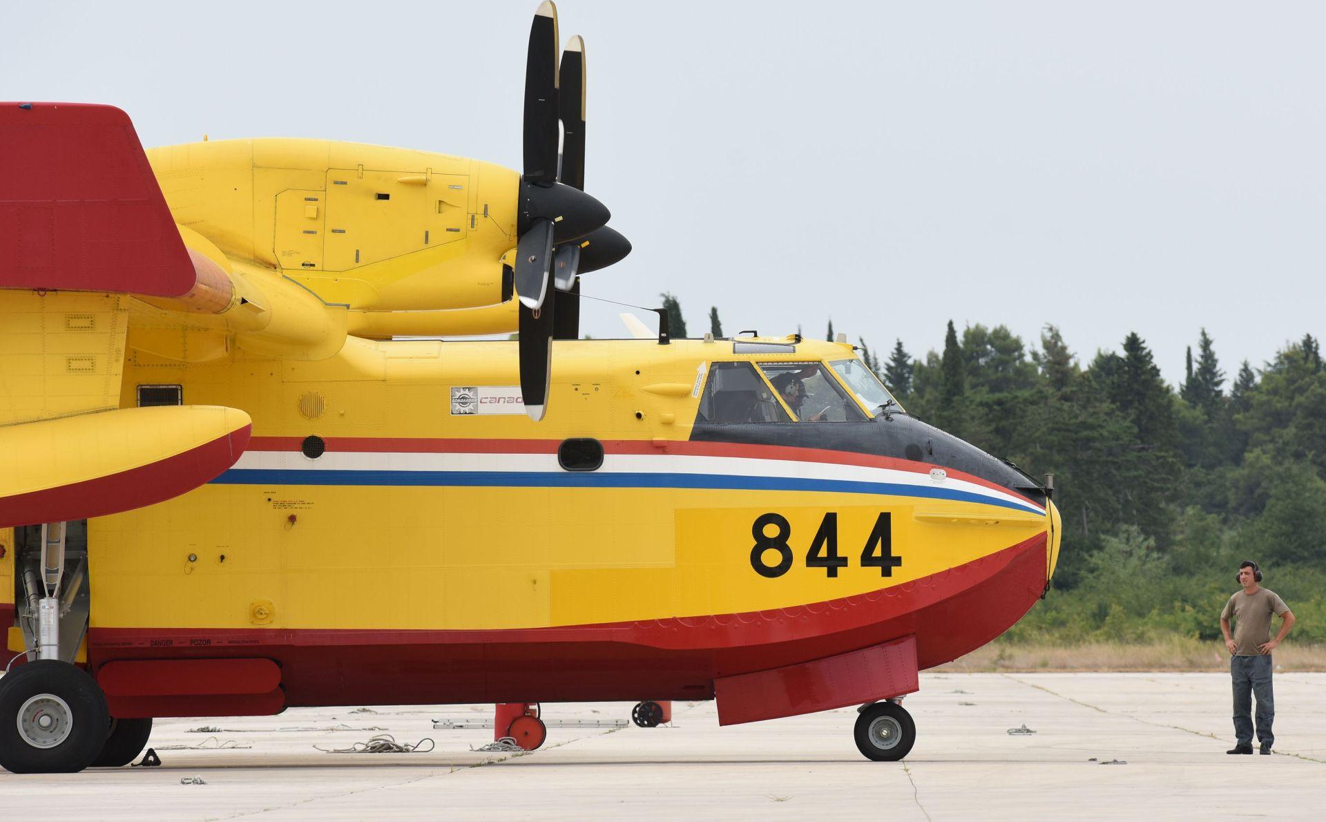 MORH: Zračne snage i danas angažirane na požarištima