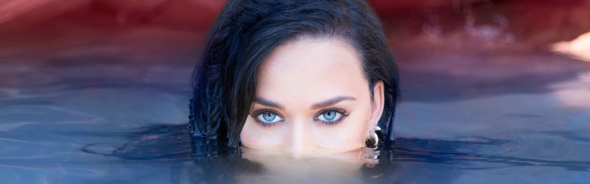 VIDEO: Katy Perry objavila novi video spot za single 'Chained To The Rhythm'