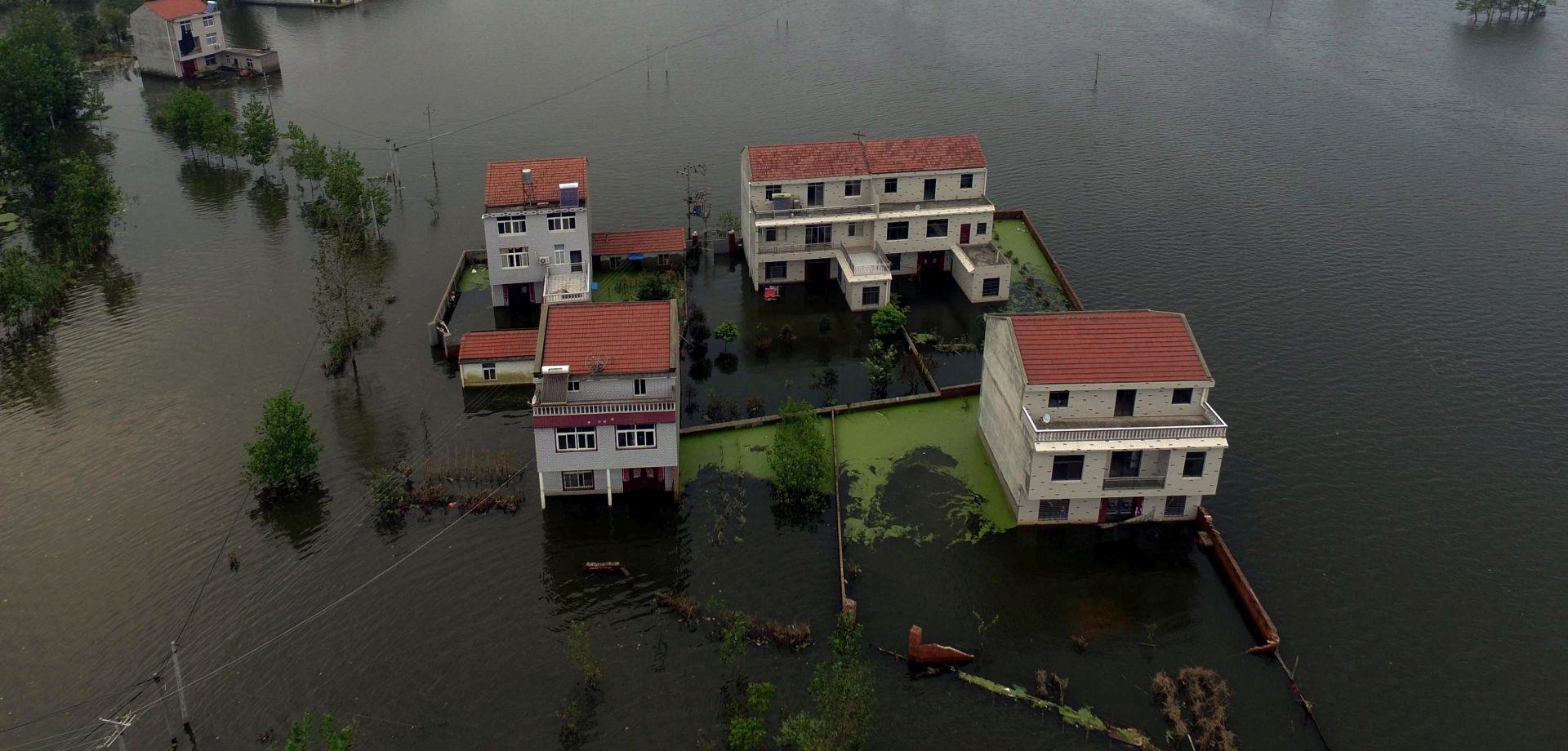 OLUJE I KIŠE: U poplavama u Kini više od 100 mrtvih