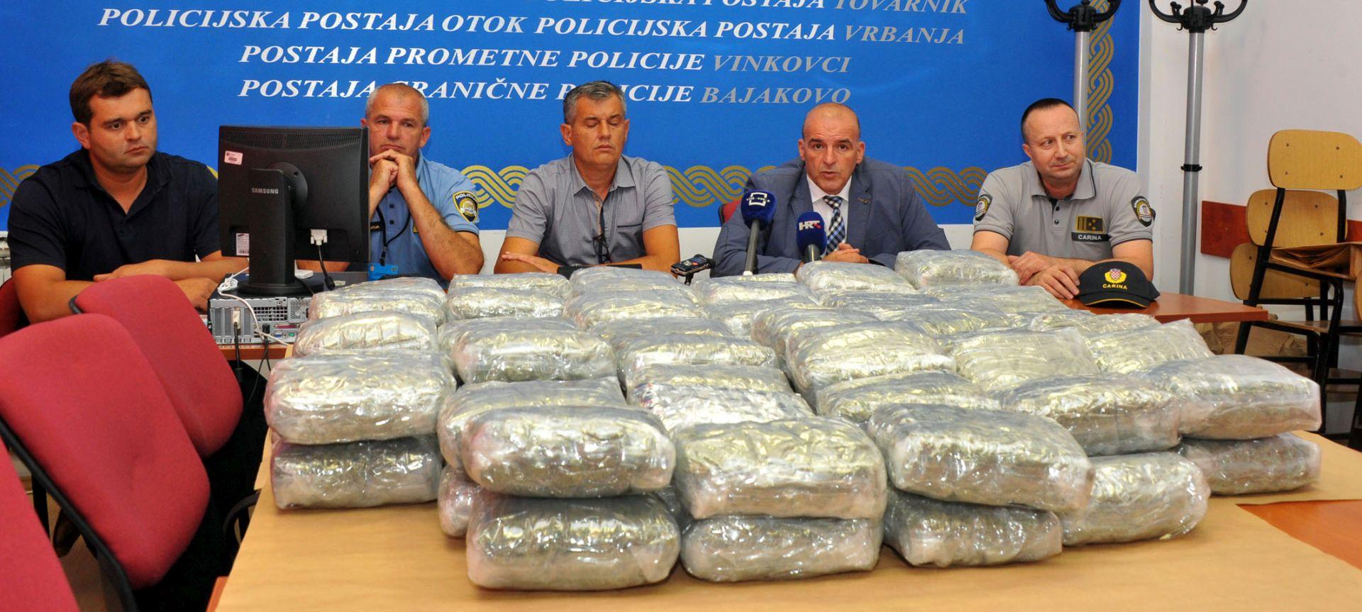 GRANIČNI PRIJELAZ BAJAKOVO: Tijekom kontrole zaplijenjeno 33 kilograma marihuane