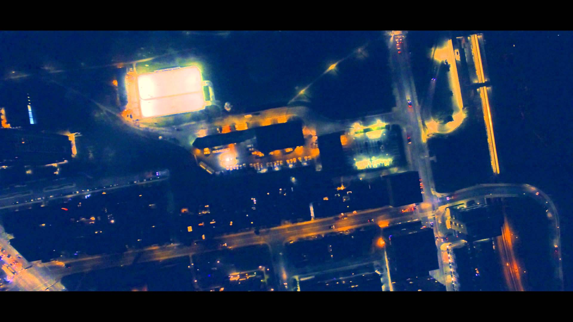 VIDEO: Centar kanadskog grada Toronta noću