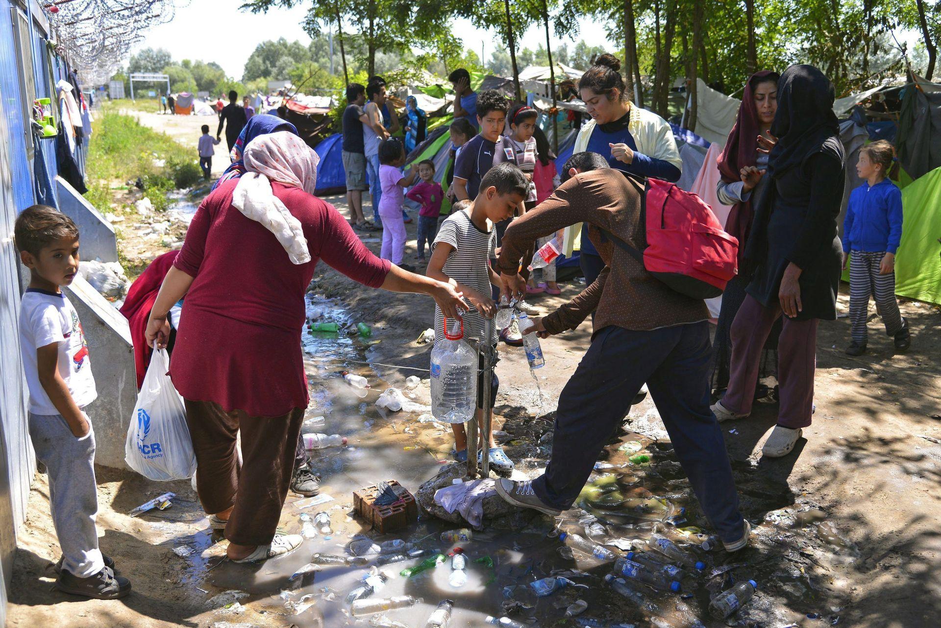 SUKOB U IZBJEGLIČKOM CENTRU: Potukli se migranti u Mađarskoj, devet ozlijeđenih