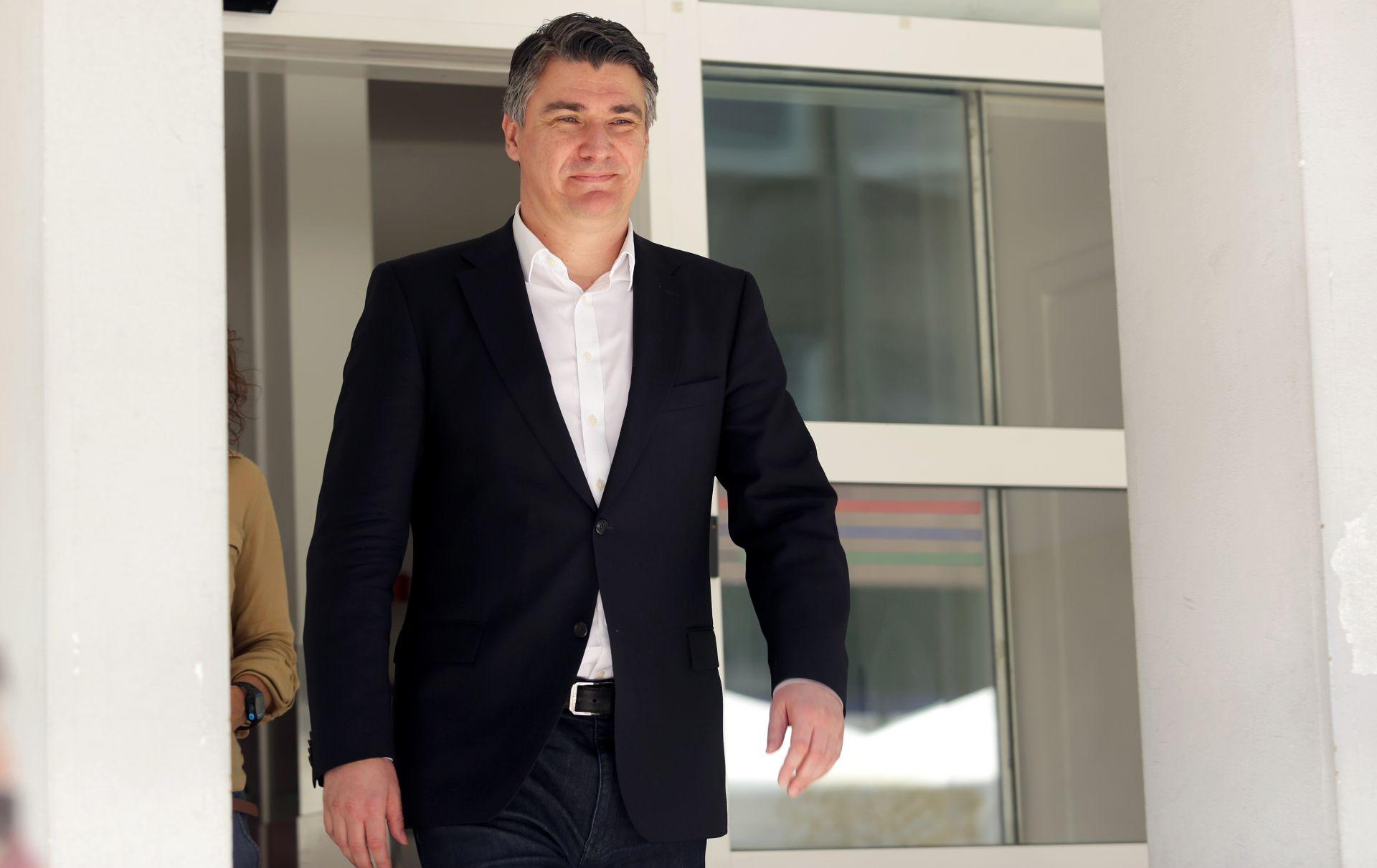 """HDZ-ov načelnik općine Slano napao Milanovića: načelnika: """"Ako su u HDZ-u papci, onda su u SDP-u šupci"""""""
