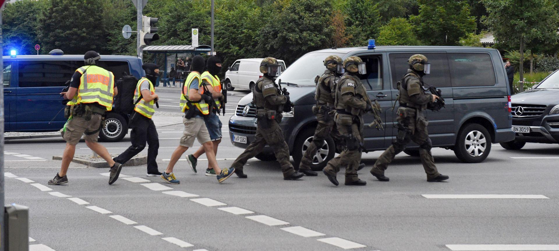 NAPAD U MUENCHENU: Policija pregledava dokaze, svijet osuđuje napad i nudi pomoć