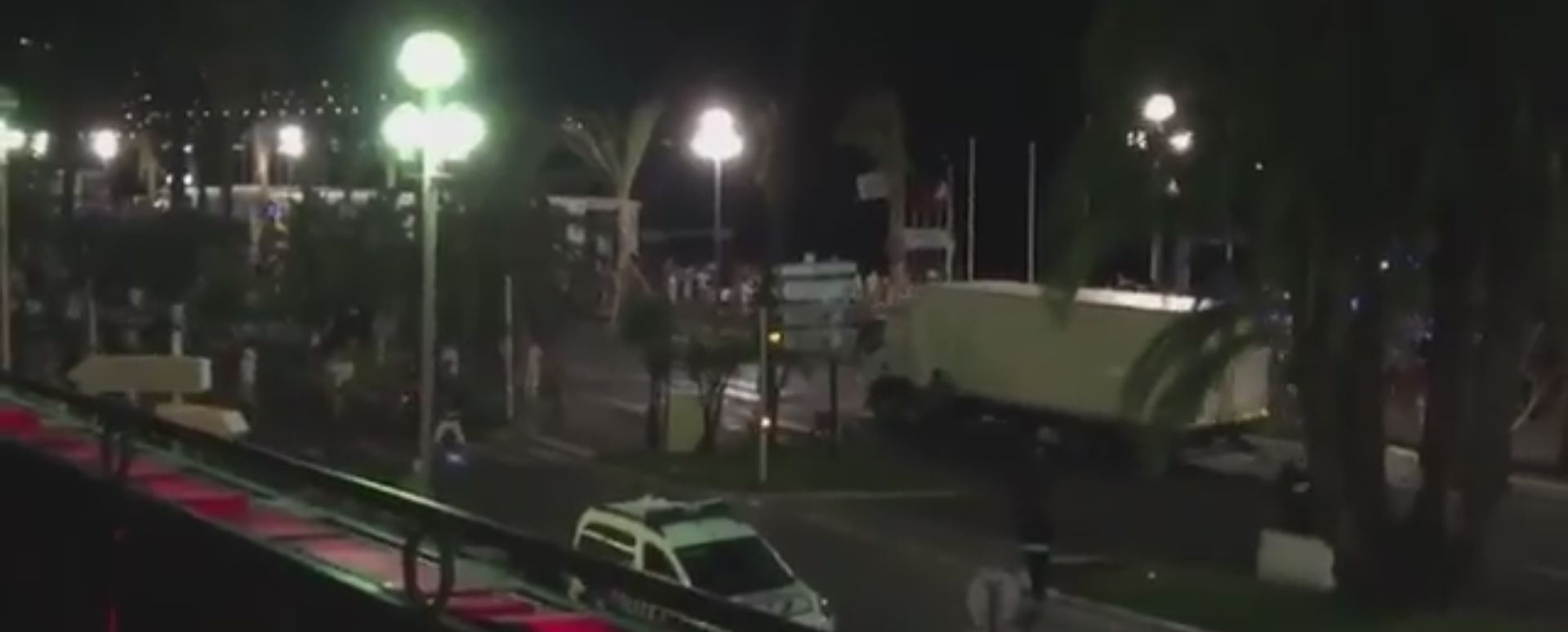 UZNEMIRUJUĆI VIDEO: Kamerom zabilježen stravičan napad u Nici