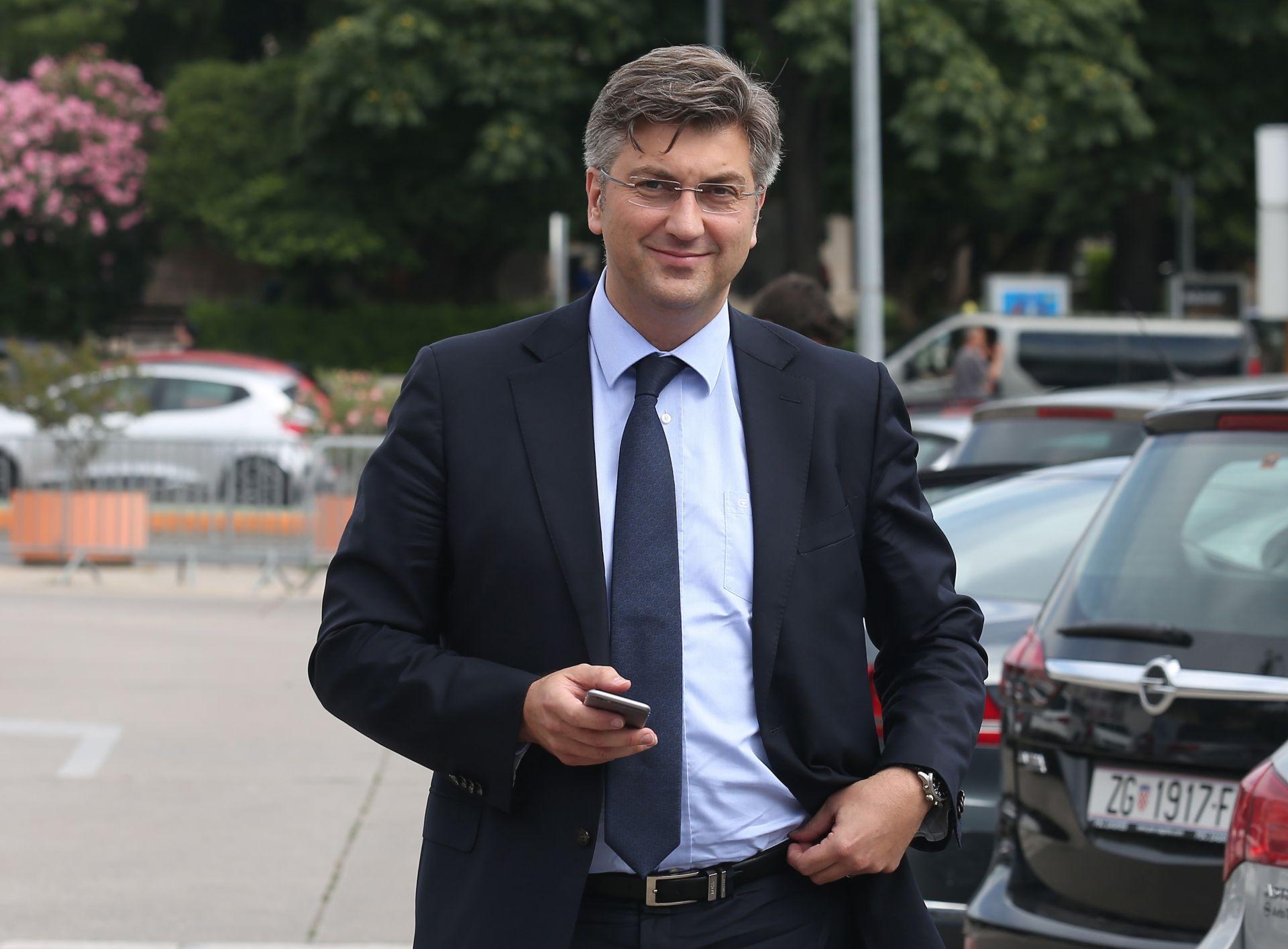 """PLENKOVIĆ OTKRIO IMOVINSKU KARTICU """"Imam samo stan i automobil, supruga i ja nemamo ušteđevine"""""""