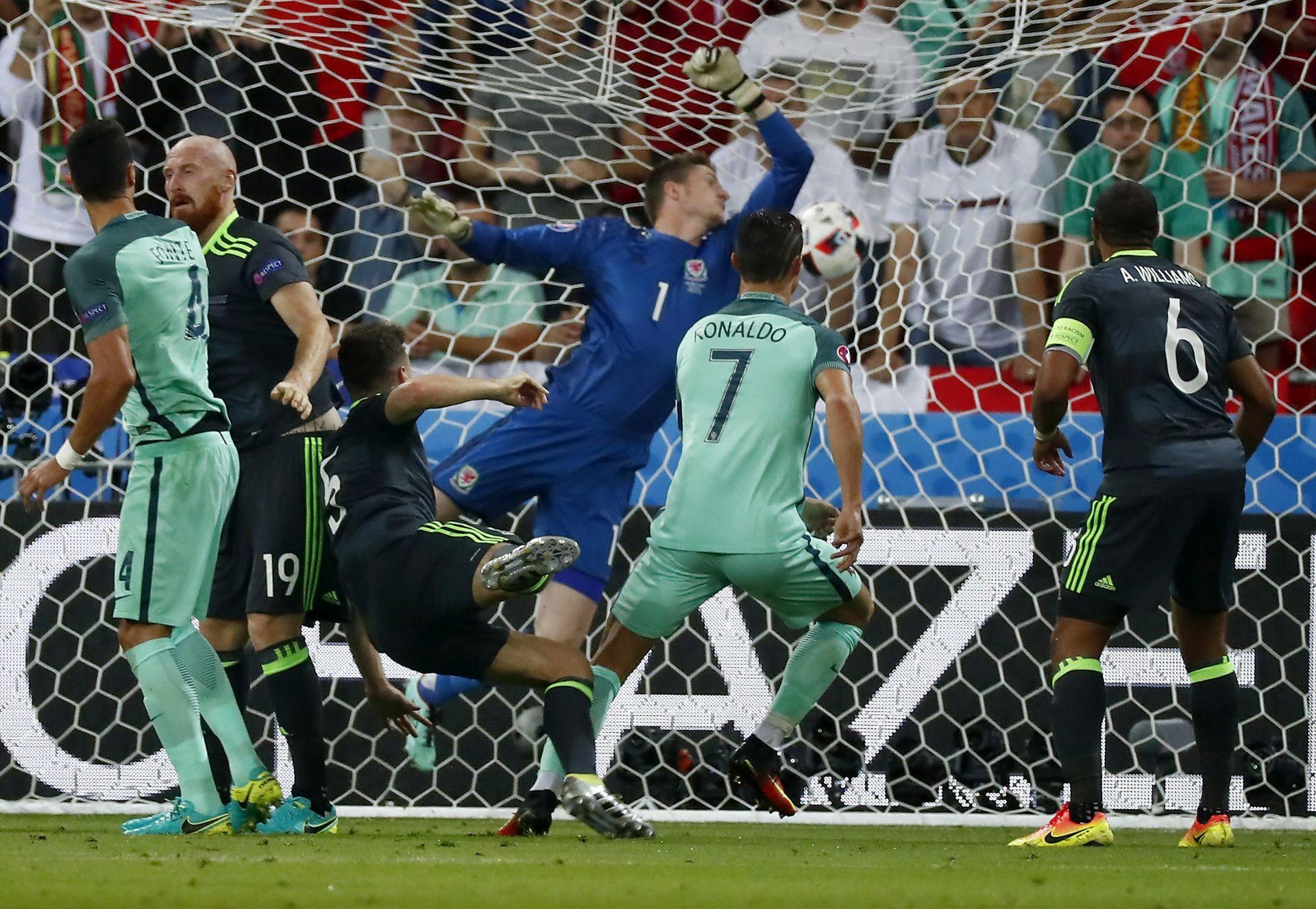 UŽIVO EURO 2016 POLUFINALE: Portugal – Wales 2:0