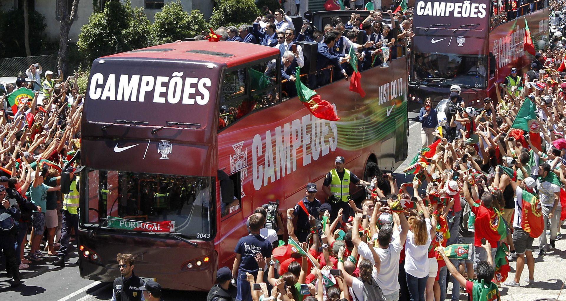 Tisuće fanova dočekale portugalske junake u Lisabonu