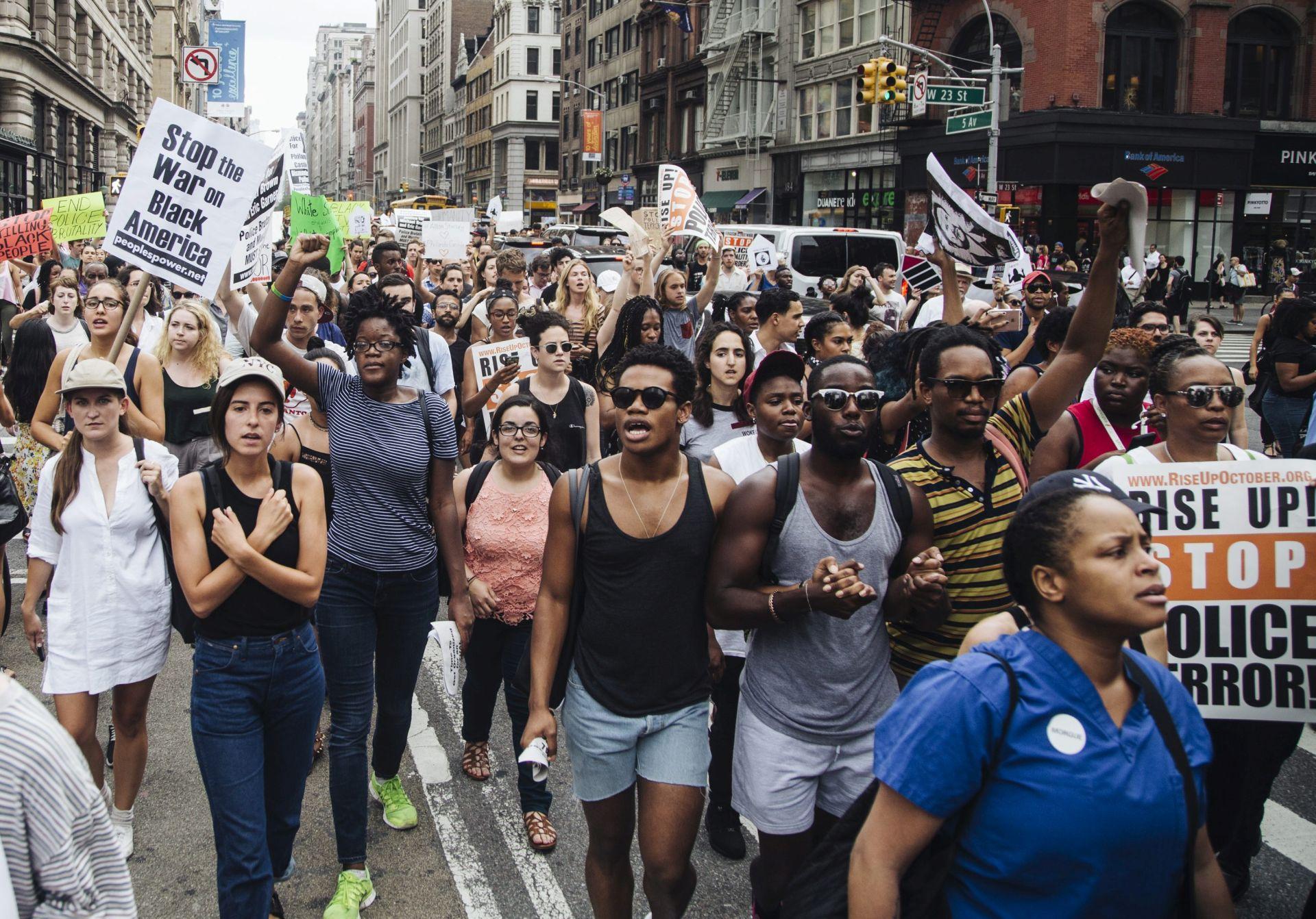 VIŠE OD 200 UHIĆENIH: U SAD-u i dalje vladaju napetosti između crnaca i policajaca