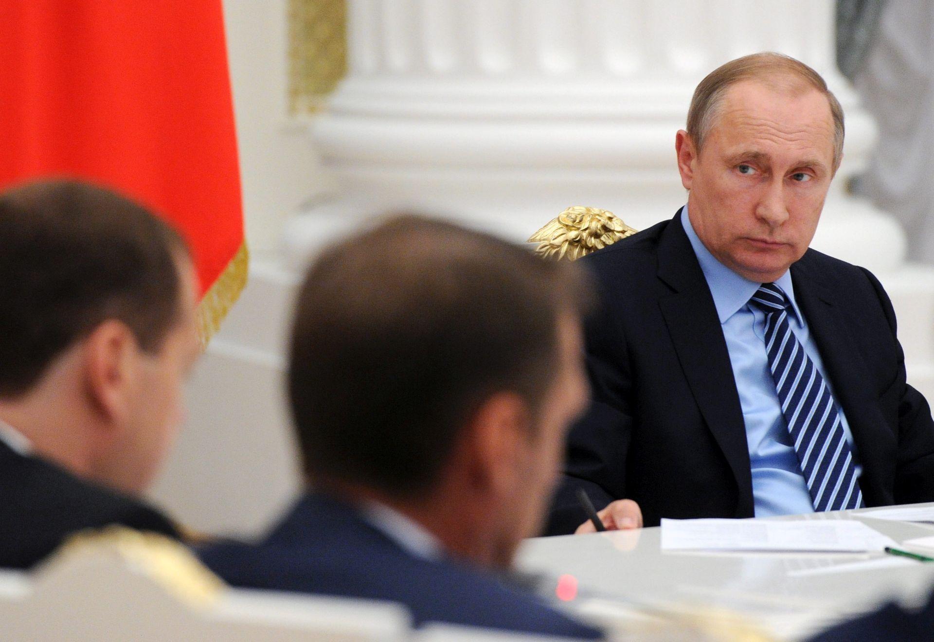 NAKON SUMMITA NATO-a: Hollande, Merkel i Putin razgovarali o Ukrajini