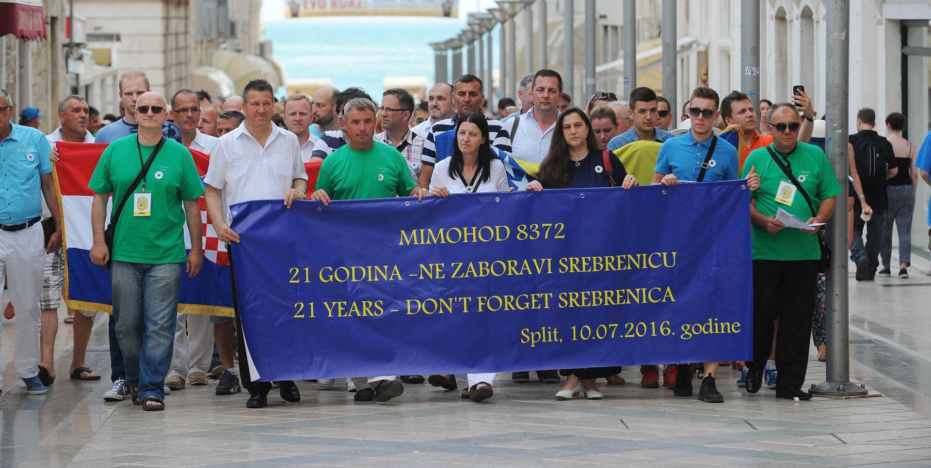 MIMOHOD U SPLITU: 21. godišnjica genocida u Srebrenici