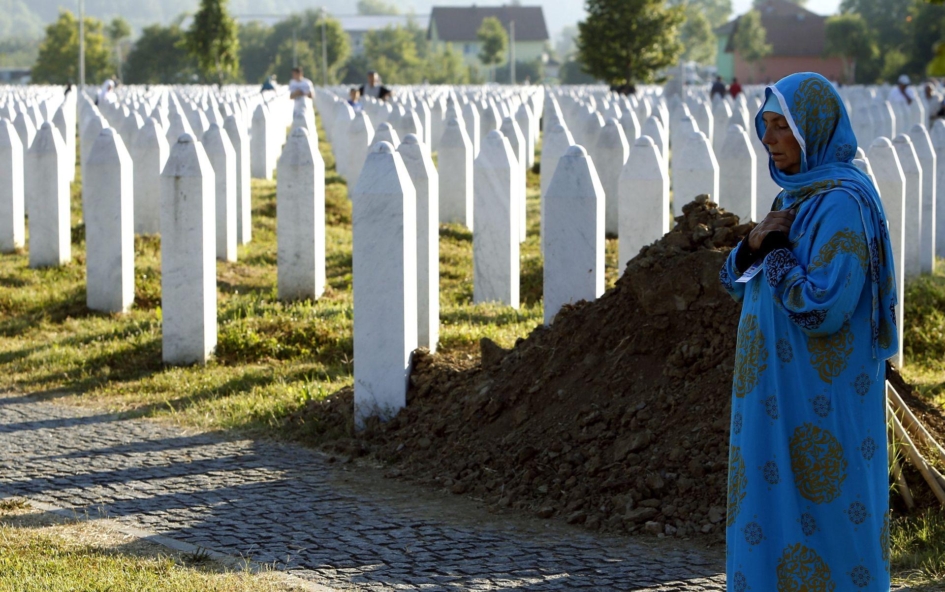 BIH Posmrtni ostaci 35 žrtava genocida ispraćeni u Srebrenicu