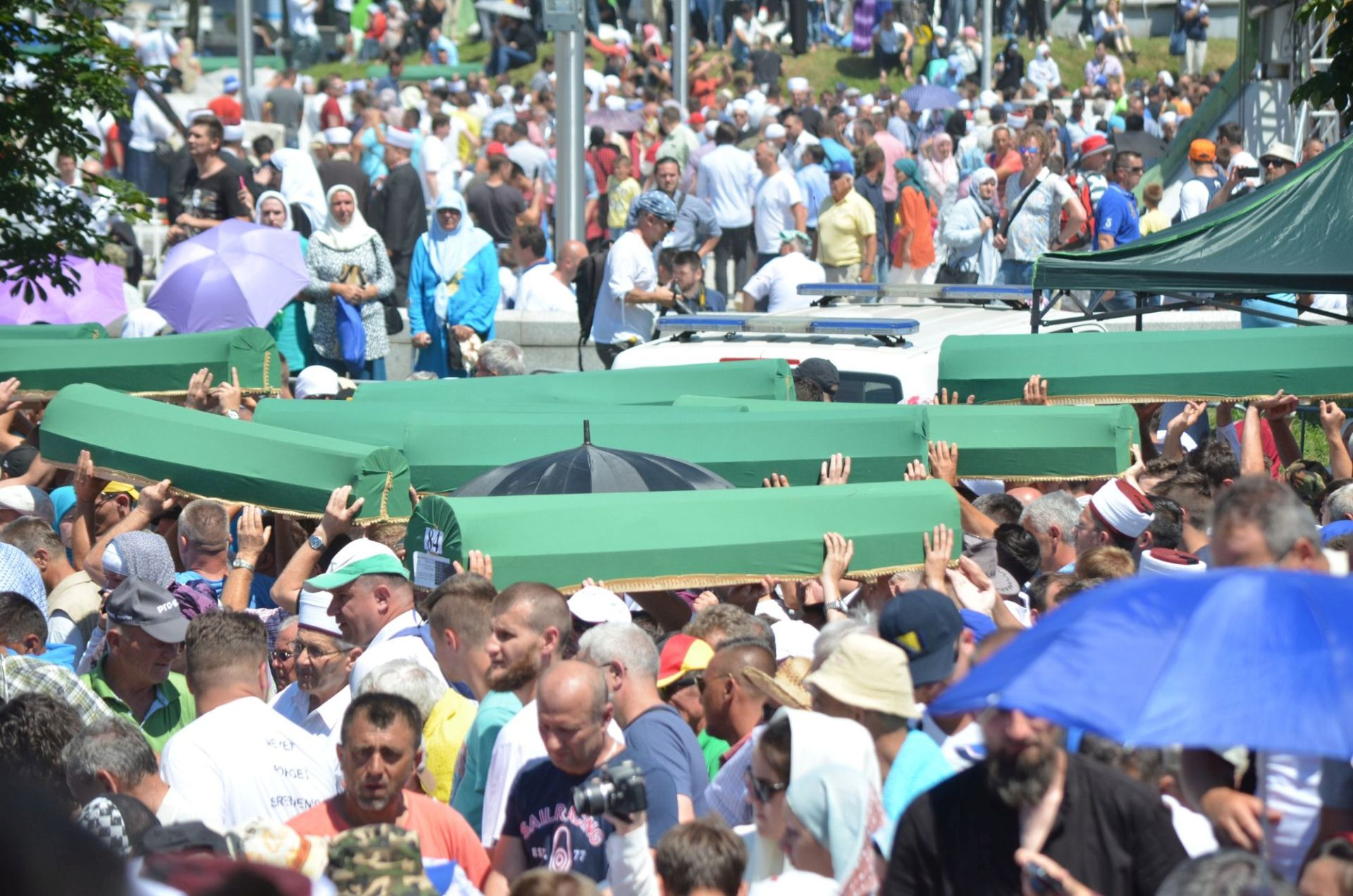 SREBRENICA: Pokop 127 žrtava genocida i snažna poruka
