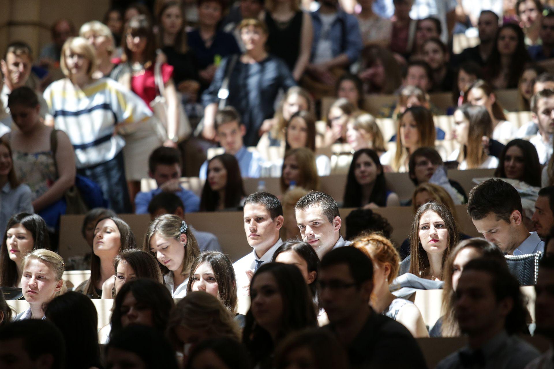 BiH: Potpisani ugovori o stipendijama za hrvatske studente