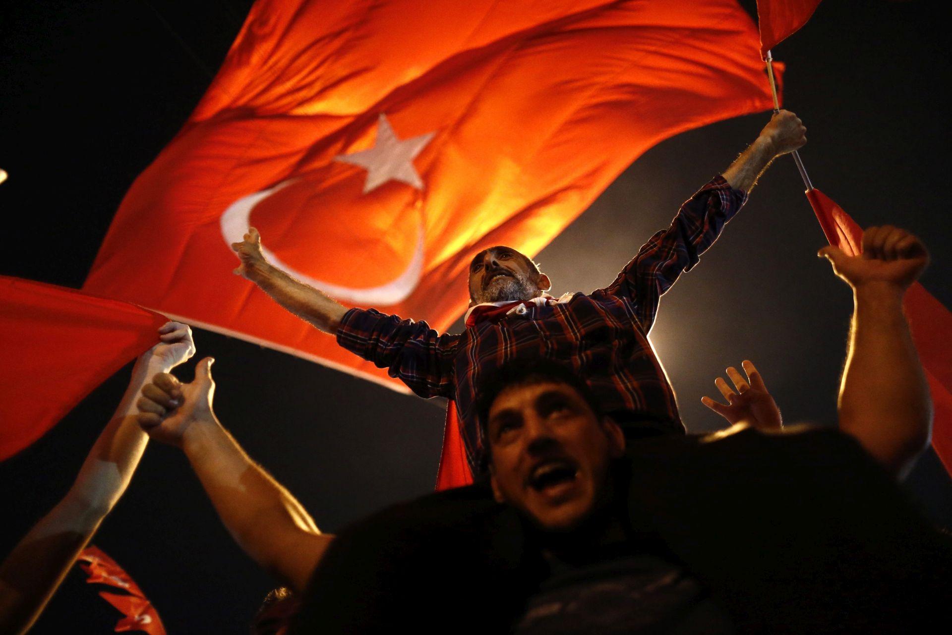 POKUŠAJ VOJNOG UDARA: Turski vojnici pred sudom u Grčkoj