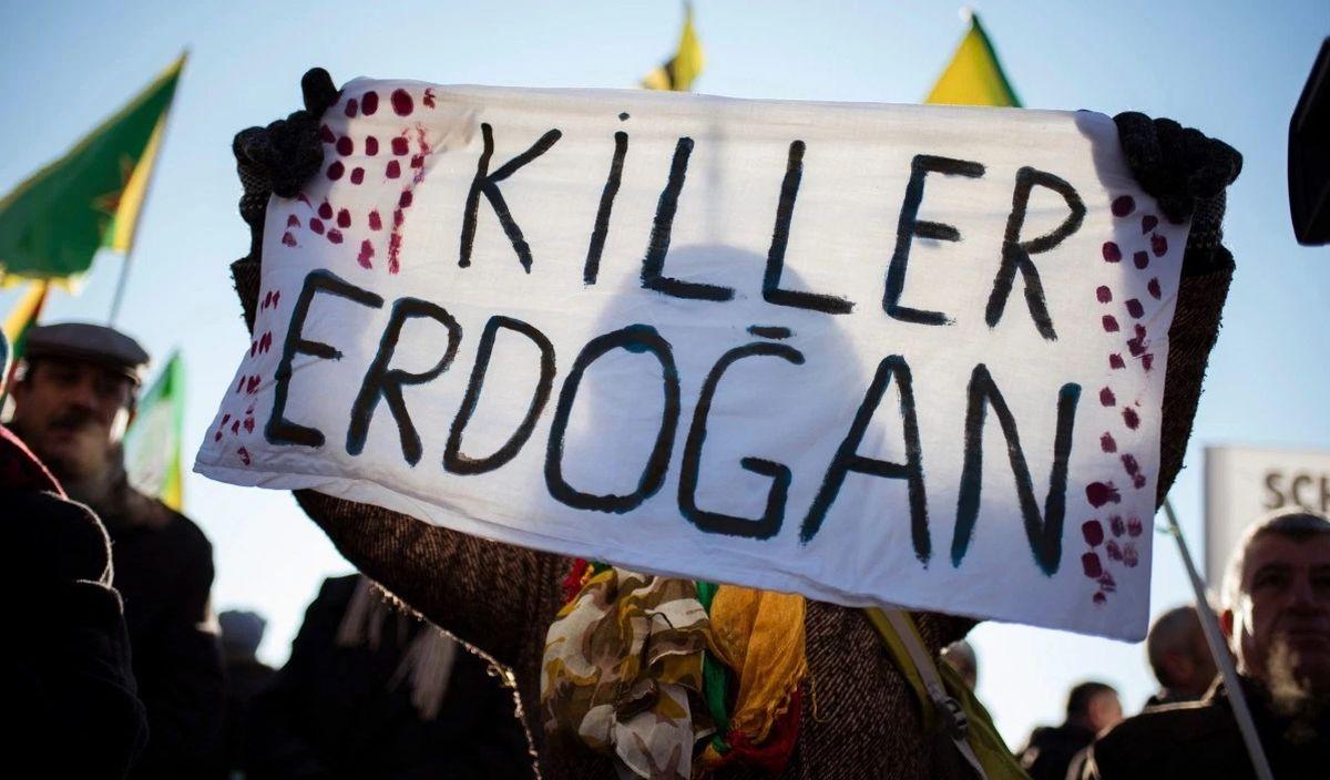 Prokurdski aktivisti u Istanbulu protiv pučista i izvanrednog stanja