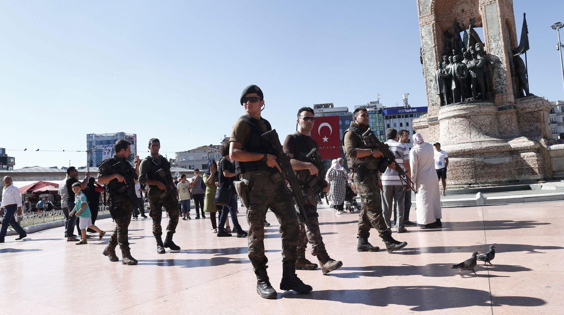 """Turska priznaje moguće """"pogreške"""" u čistkama nakon državnog udara"""