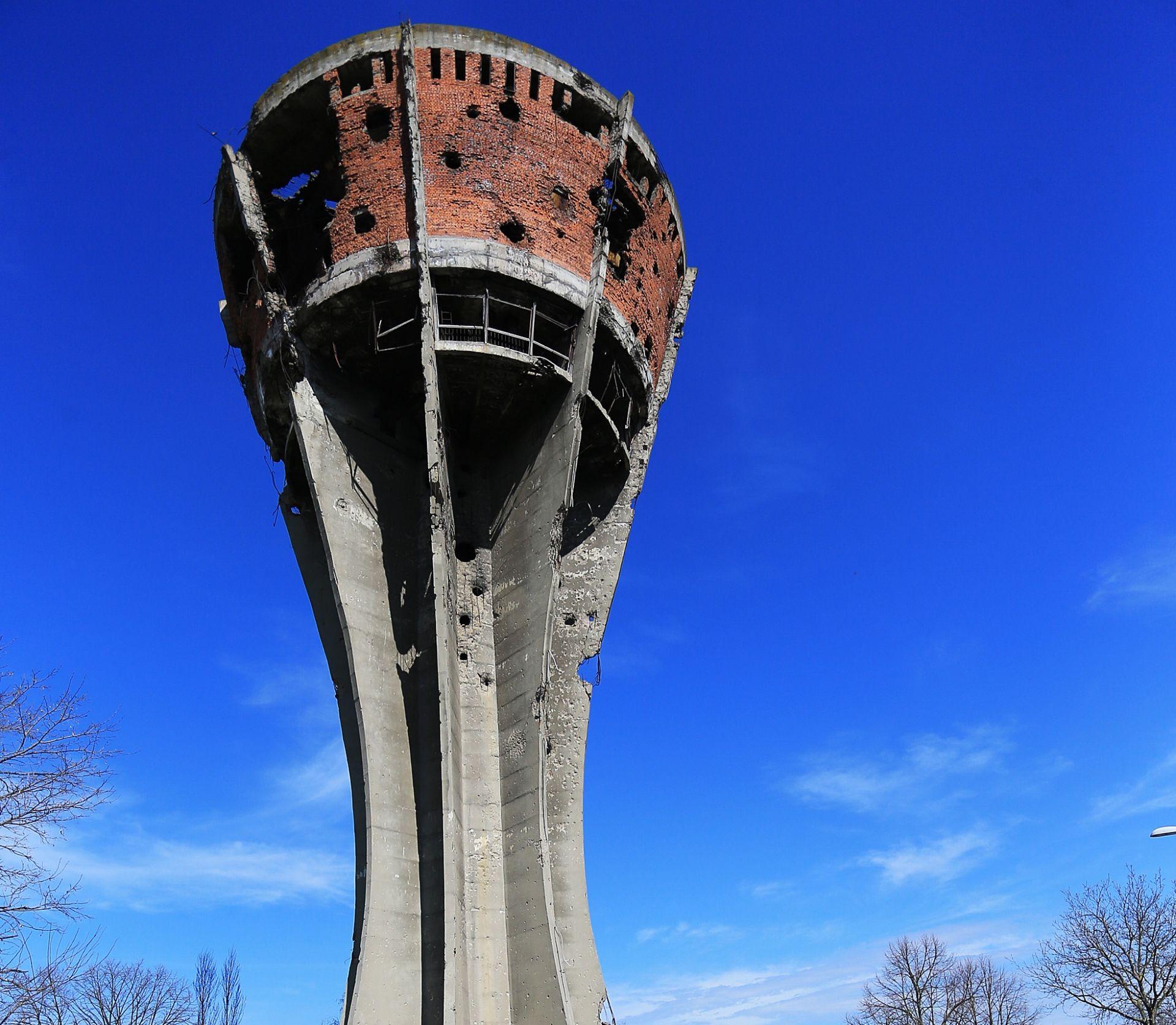 DONACIJA GRADA OSIJEKA: 150 tisuća kuna za obnovu vukovarskog vodotornja