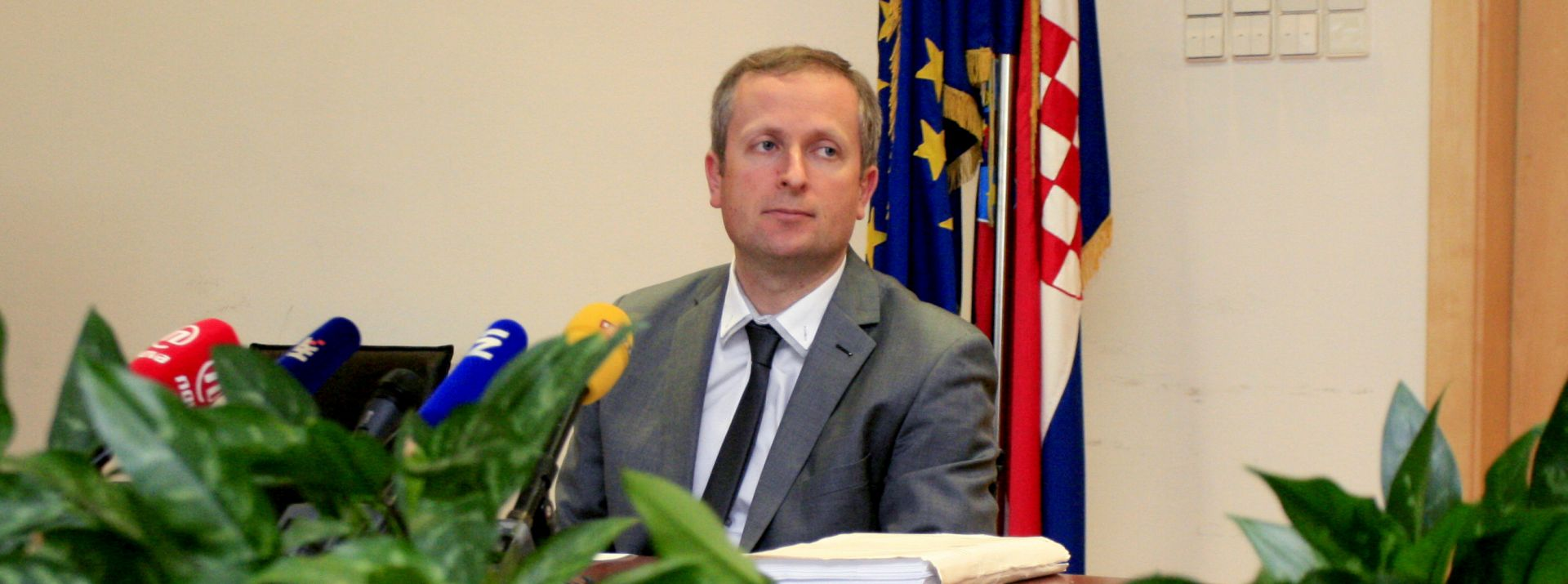 Šprlje pozvao institucije da istraže poslovanje Hypo grupacije u Hrvatskoj