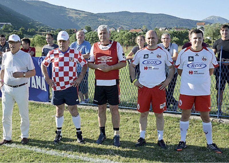 Bandić, Brkić i Ćiro igrali nogomet za dvoranu u Šujici