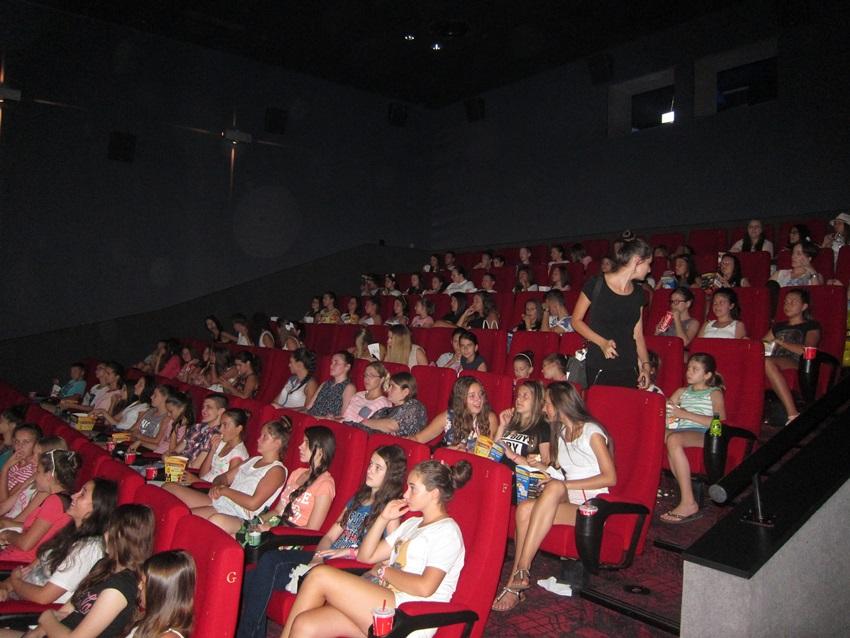 Brojni mladi uživali su u projekcijama