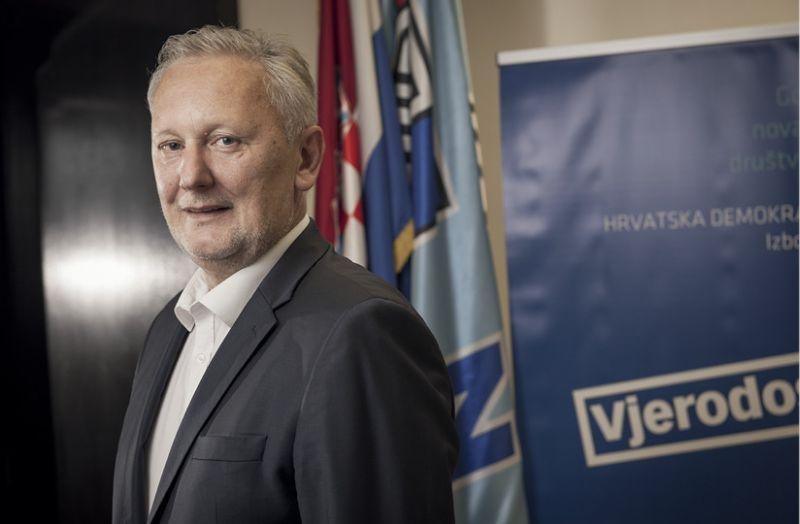 INTERVIEW: DAVOR BOŽINOVIĆ 'Isprazne ideološke borbe najviše su koristile Zoranu Milanoviću'