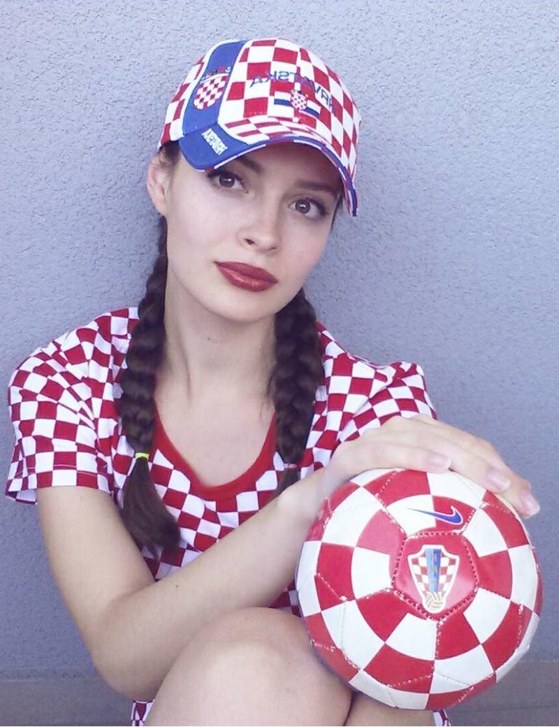 Elizabeta Burg Delač