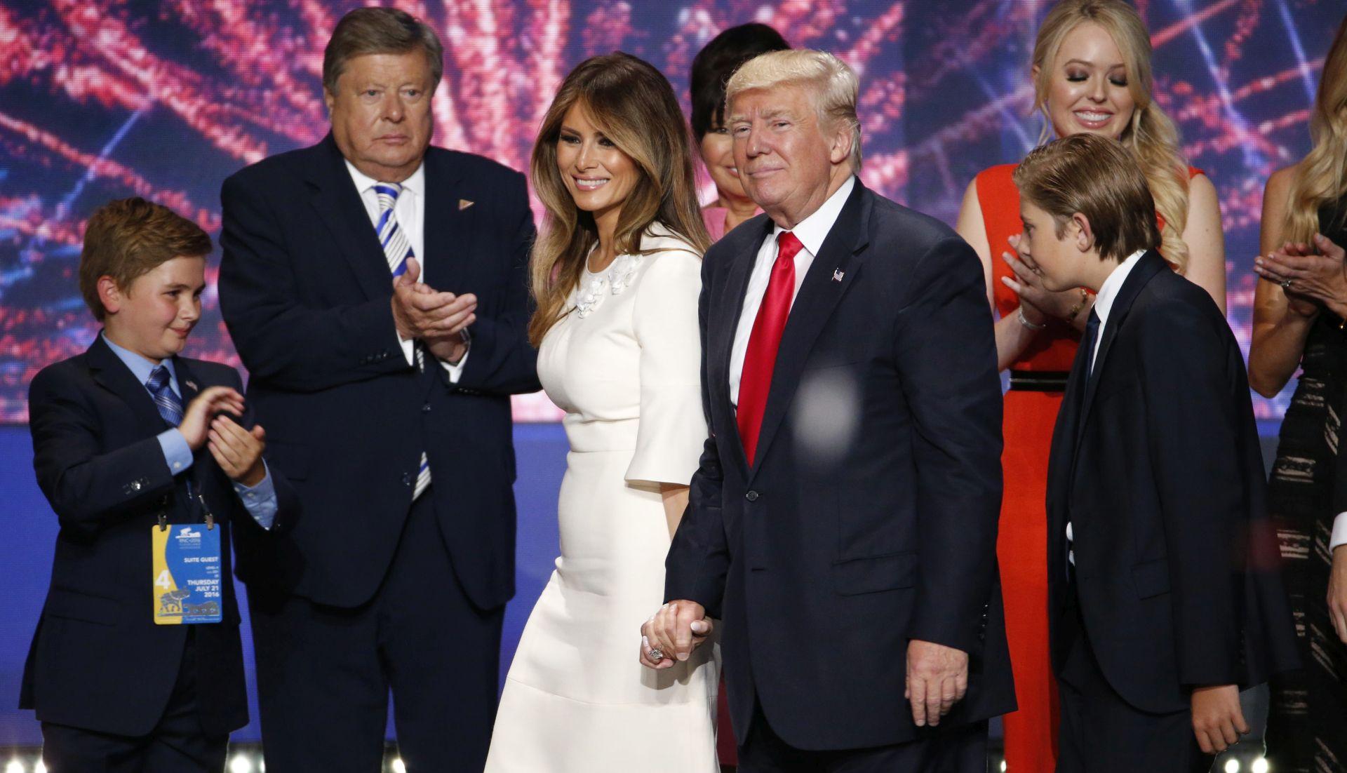 PROBLEMI S VIZOM Pitanja oko kršenja zakona Melanije Trump