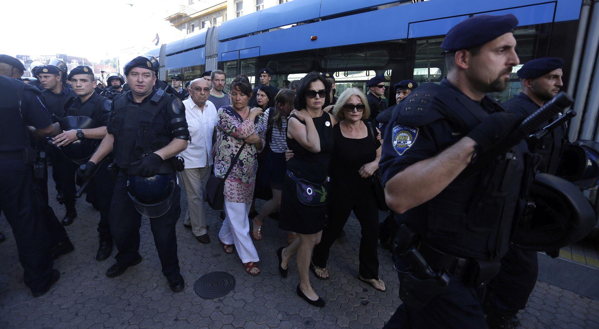 Ženska mreža Hrvatske traži od DORH-a postupanje zbog uvreda i prijetnji tijekom antiratne akcije