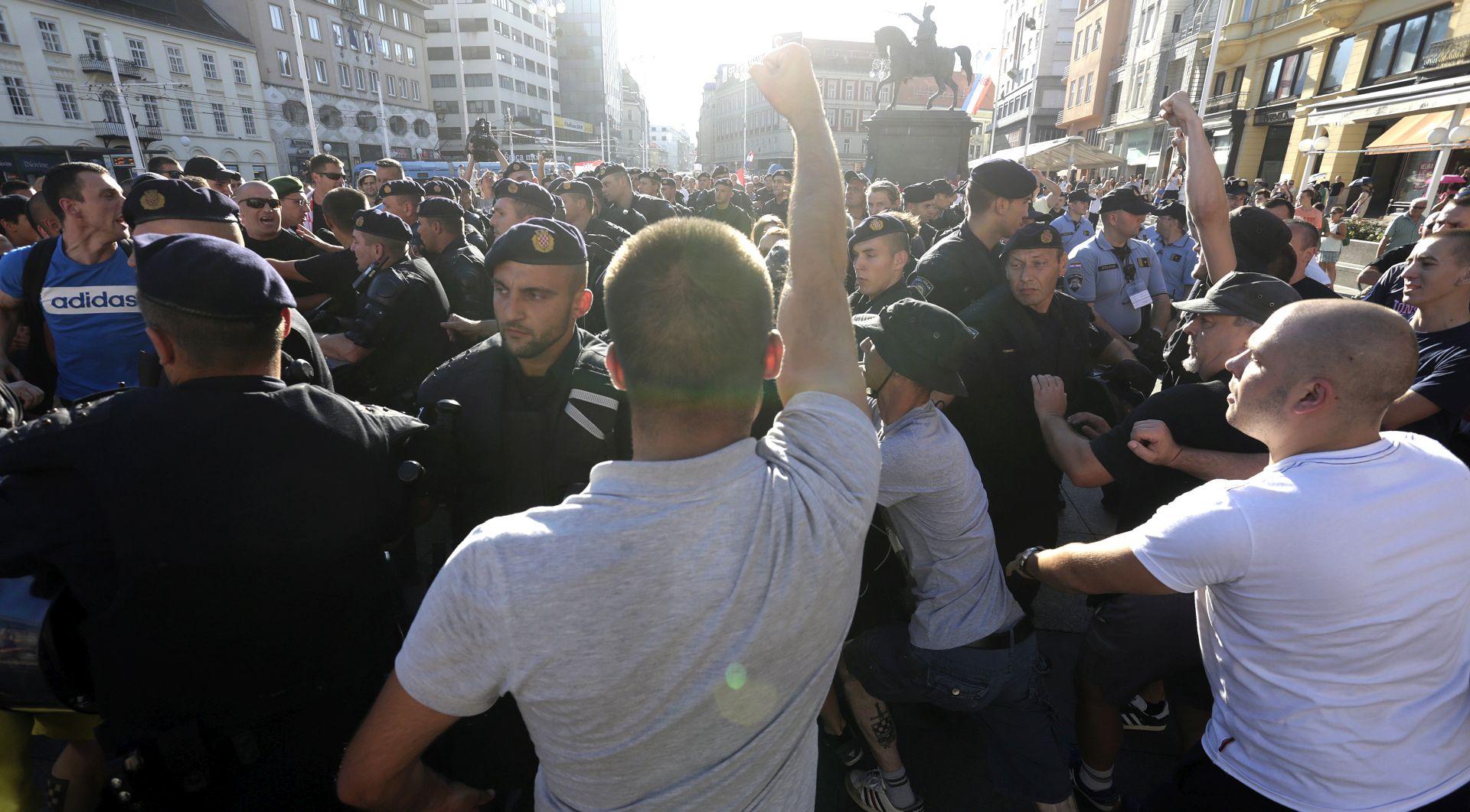 Mirni antiratni prosvjed izazvao oštar protuprosvjed predstavnika braniteljskih udruga