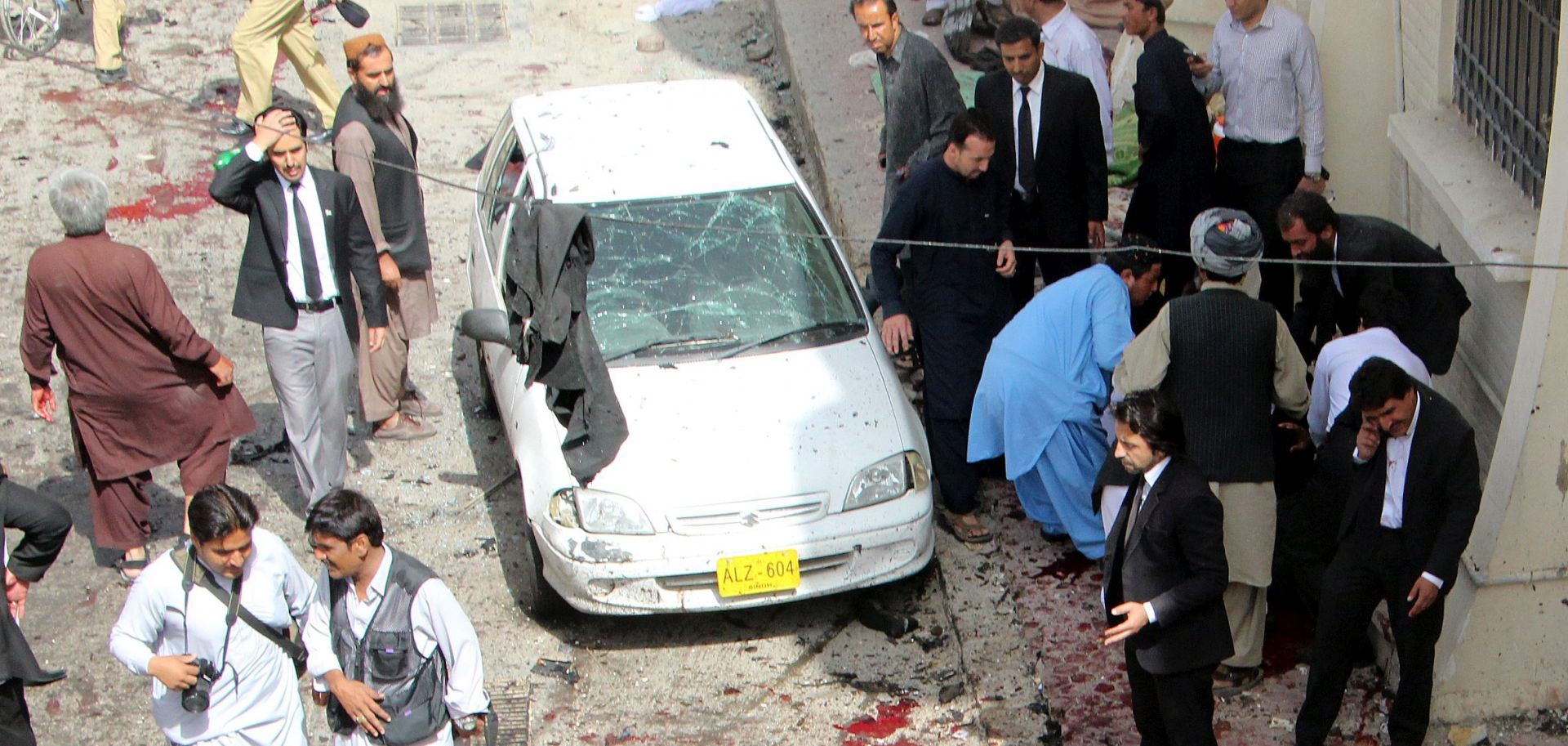 ODGOVORNOST ZA NAPAD PREUZELI TALIBANI Broj žrtava samoubilačkog napada u Pakistanu porastao na 70