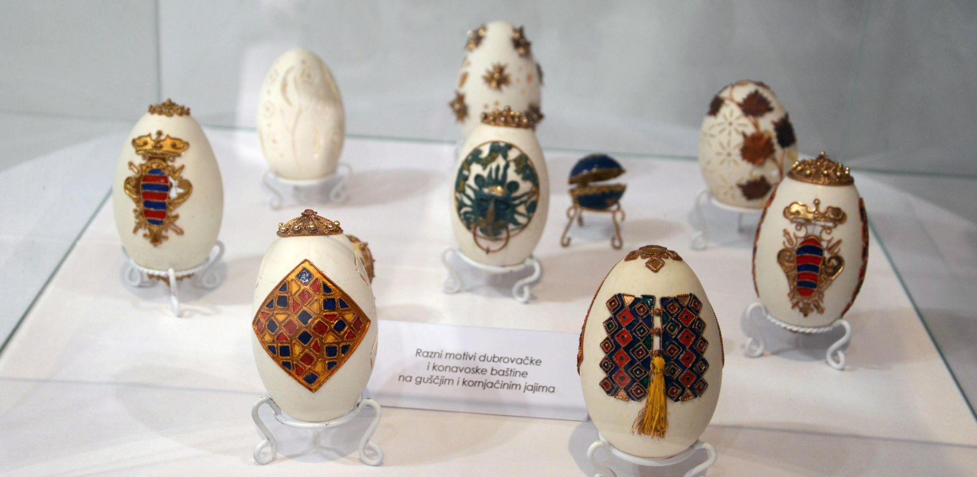 Dubrovnik: Otvorena izložba rukotvorina od jaja s dubrovačkim motivima