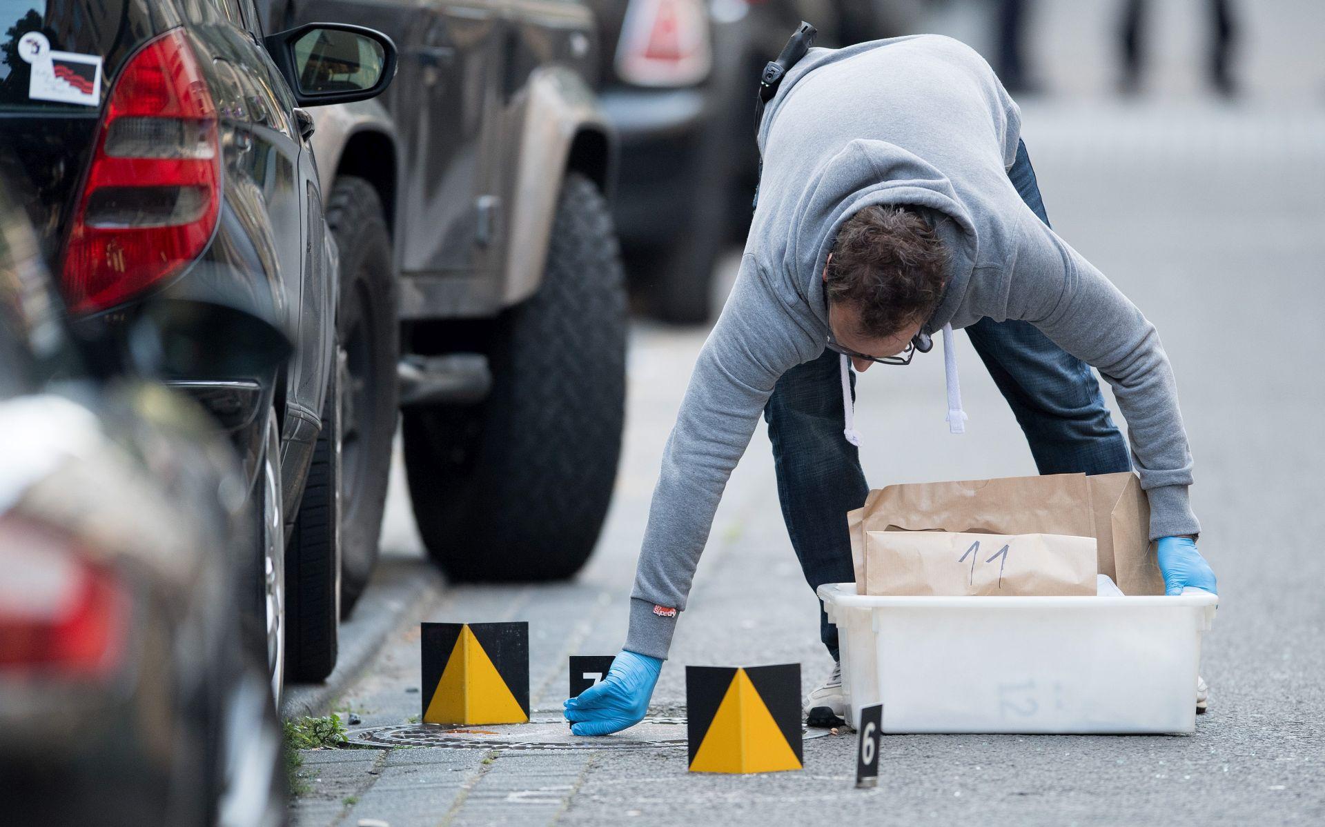 KÖLN Pucnjava i napad nožem u centru grada, dva osumnjičenika u bijegu