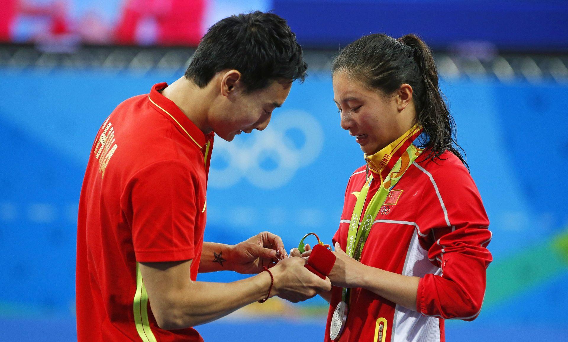 VIDEO: ROMANTIKA U RIJU Kineskinja osvojila srebrnu medalju, a potom dobila i zaručnički prsten