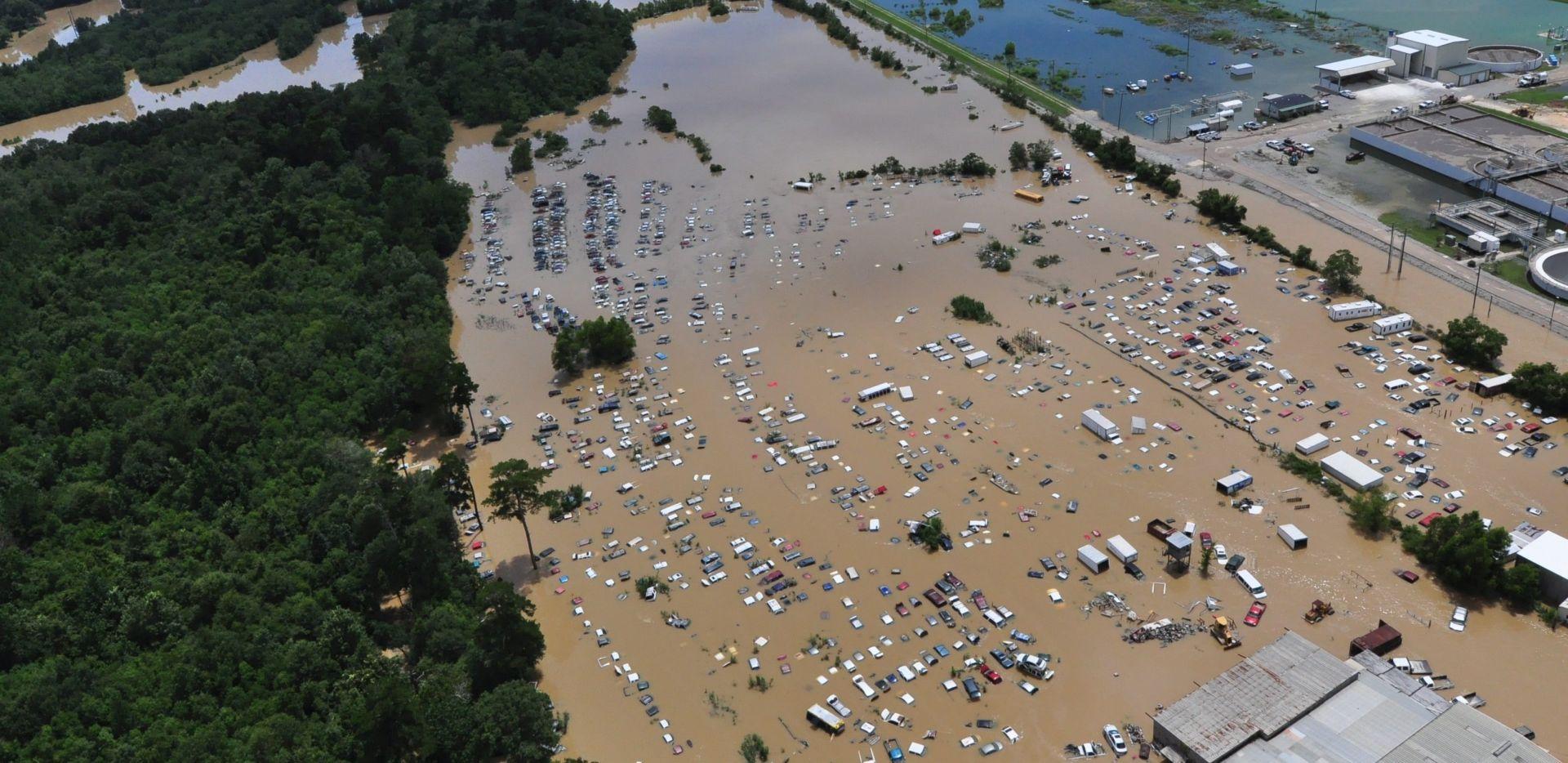 Obama u posjetu poplavljenom području u Louisiani