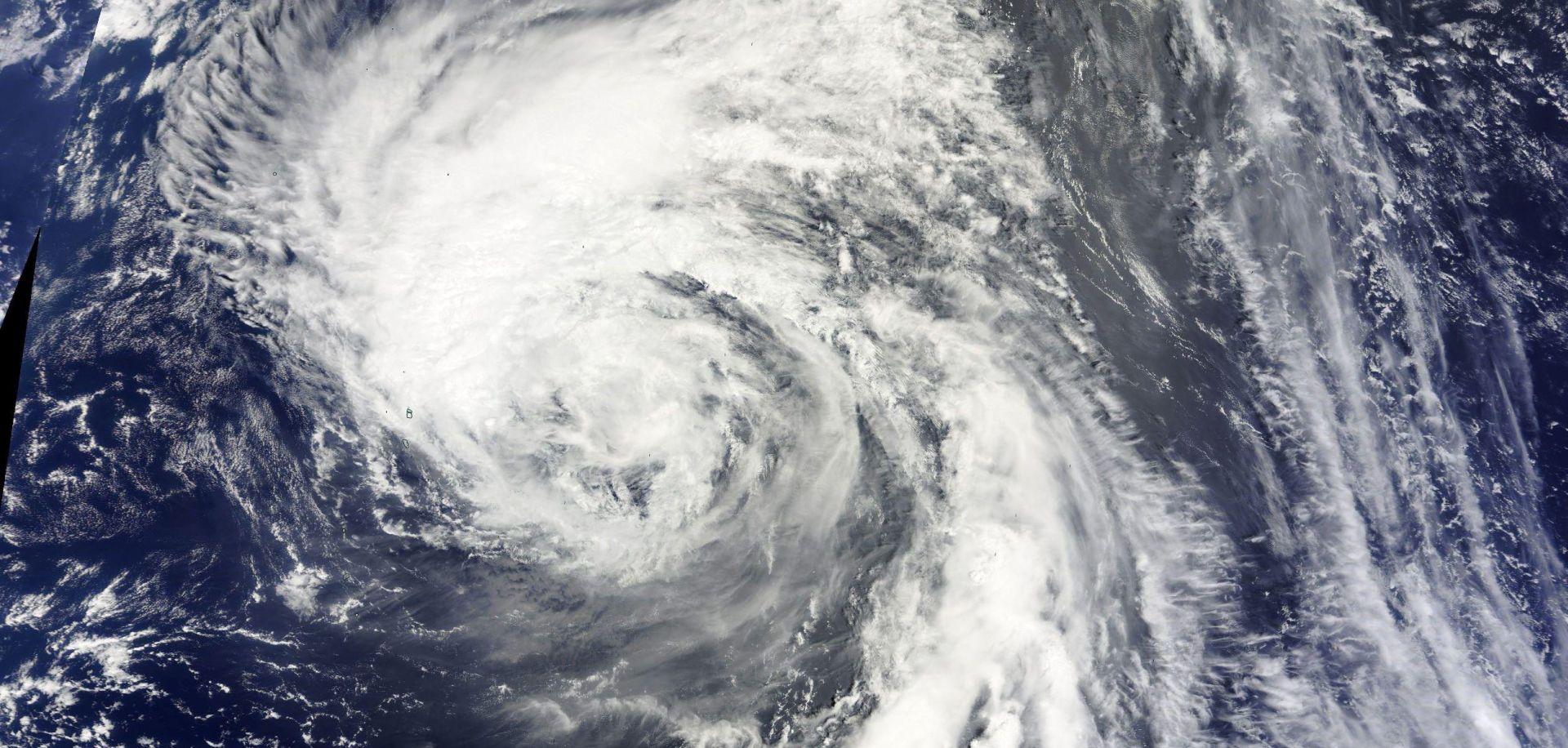 Tajfun poharao sjever Japana, tisuće evakuirane
