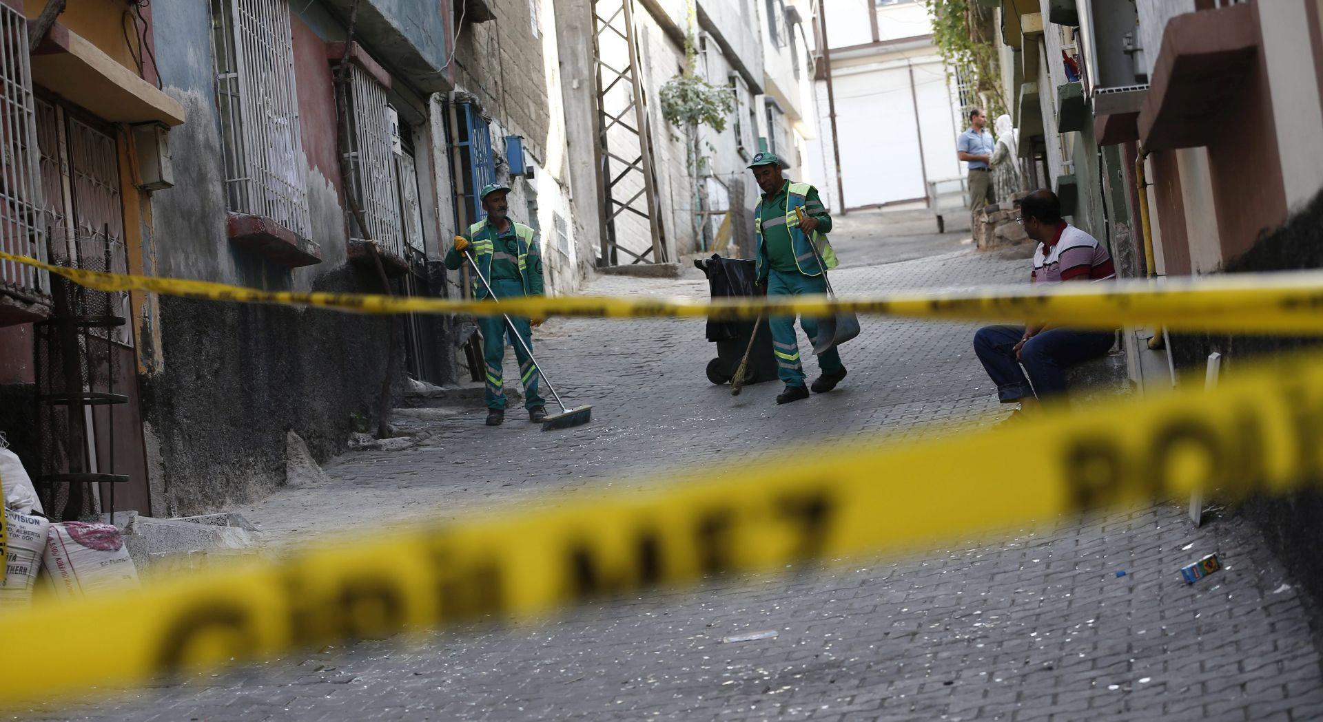 TRAGIČNO SVADBENO SLAVLJE U TURSKOJ Eksplozija ubila 30, ranila 94 ljudi, Erdogan krivi IS