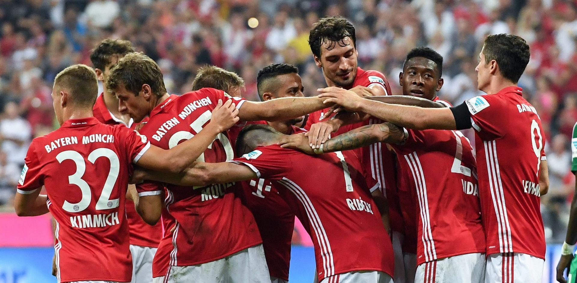 URAGANSKI POČETAK BAYERNA Lewandowski postigao hat-trick u 'razbijanju' Werdera
