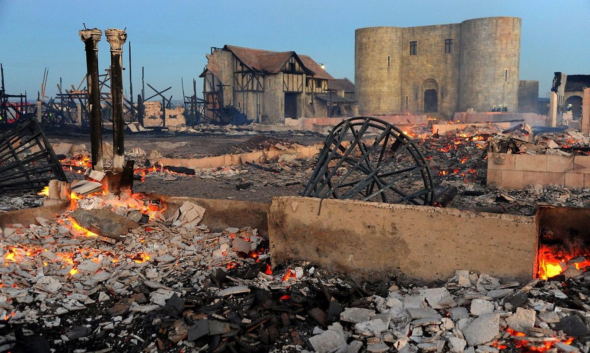 'EUROPSKI HOLLYWOOD' Požar uništio velik dio poznatog praškog filmskog studija