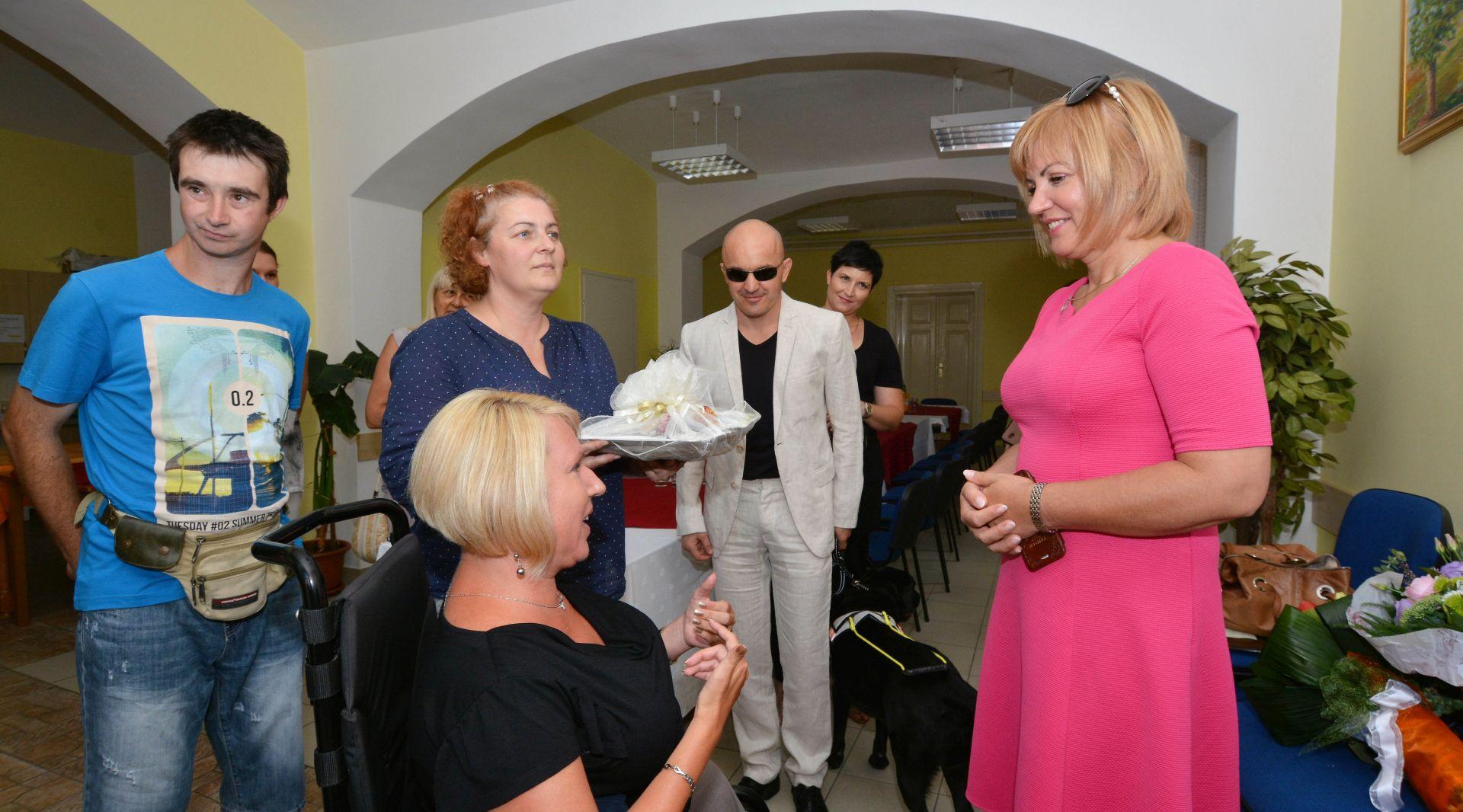 Juretić u Karlovcu s predstavnicima udruga osoba s invaliditetom
